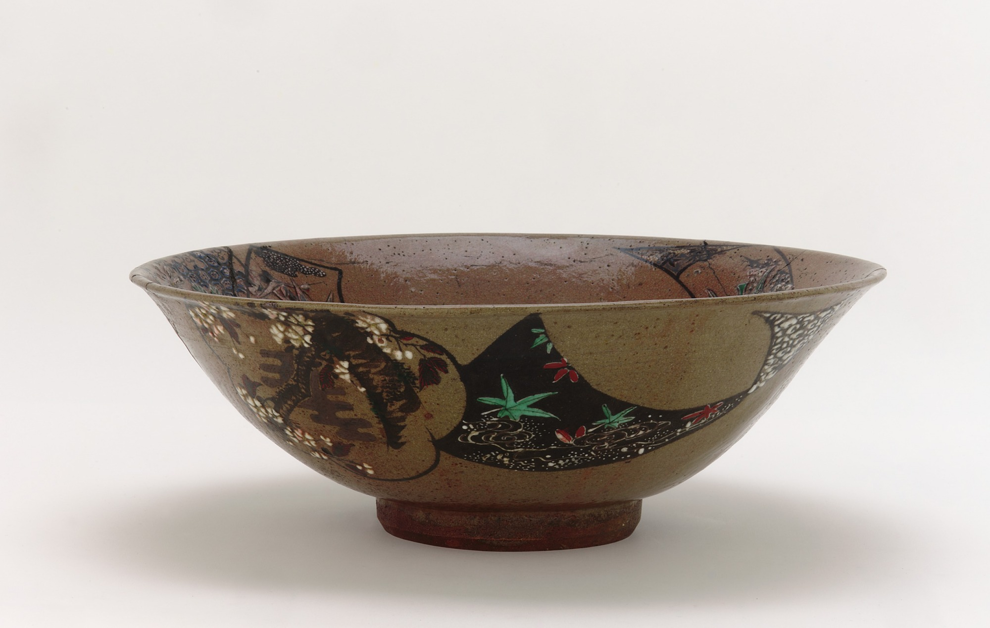 Bowl with decoration in the style of Ogata Kenzan