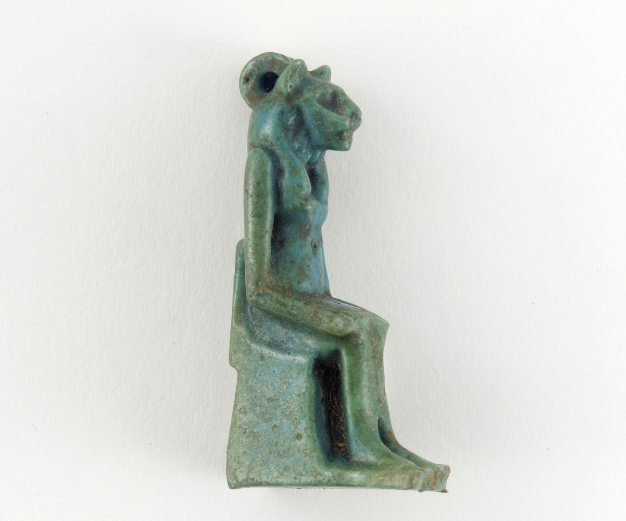 proper right: Amulet of Sakhmet or Bastet