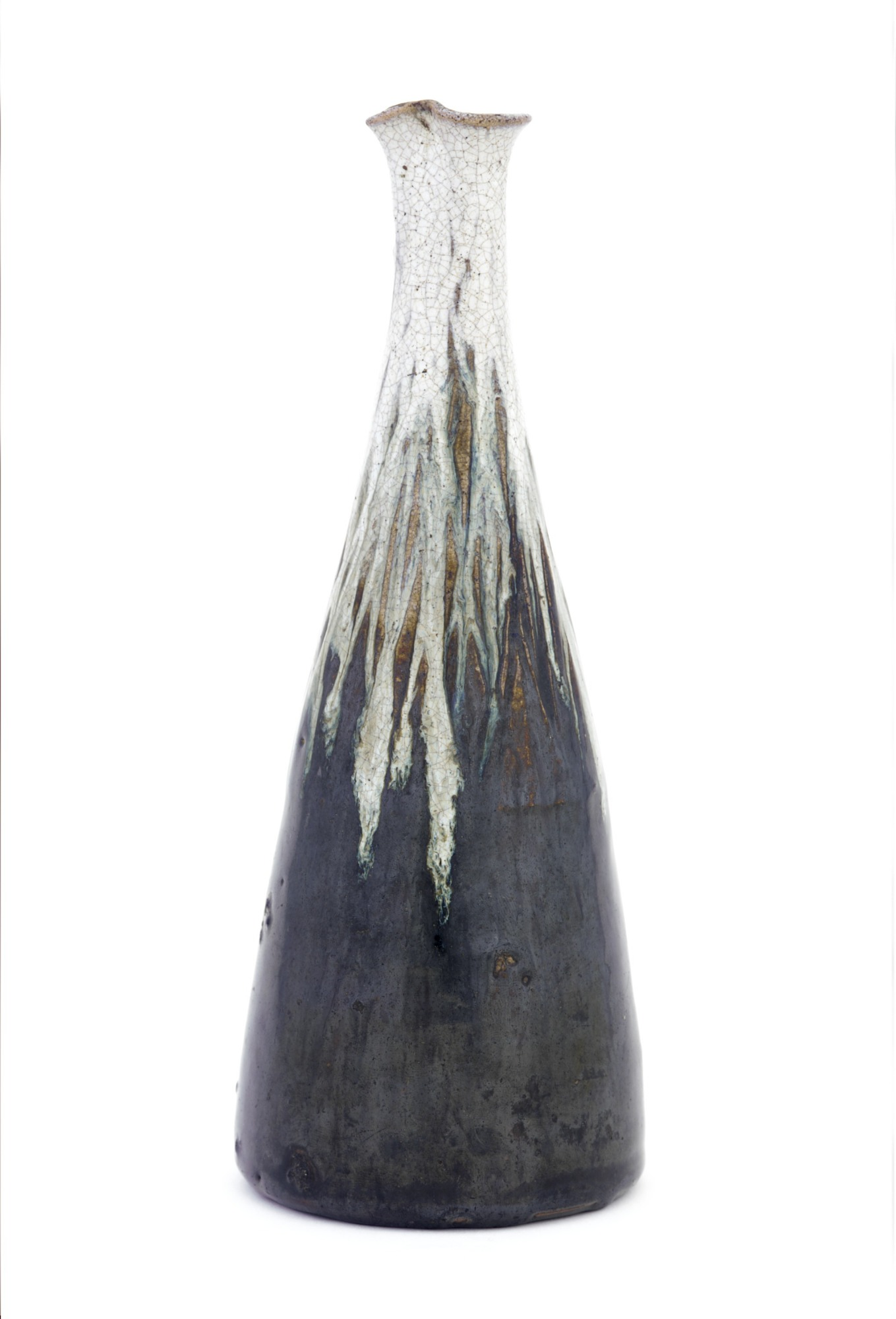 profile: Seto ware white-necked sake bottle with pouring spout