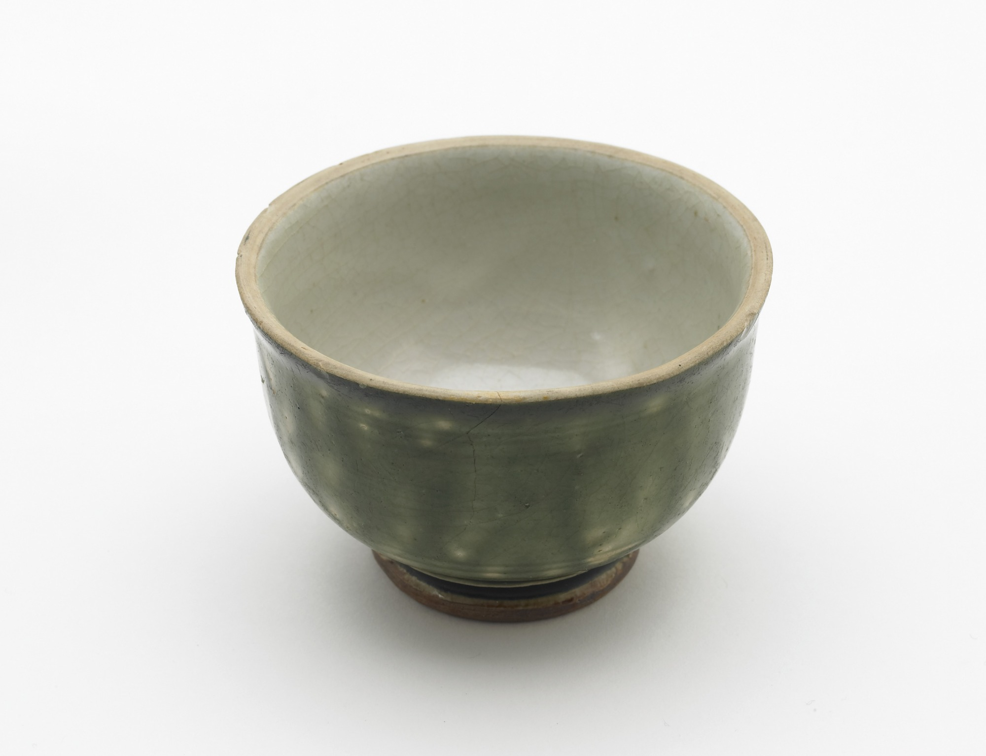 3/4 top view: Cup