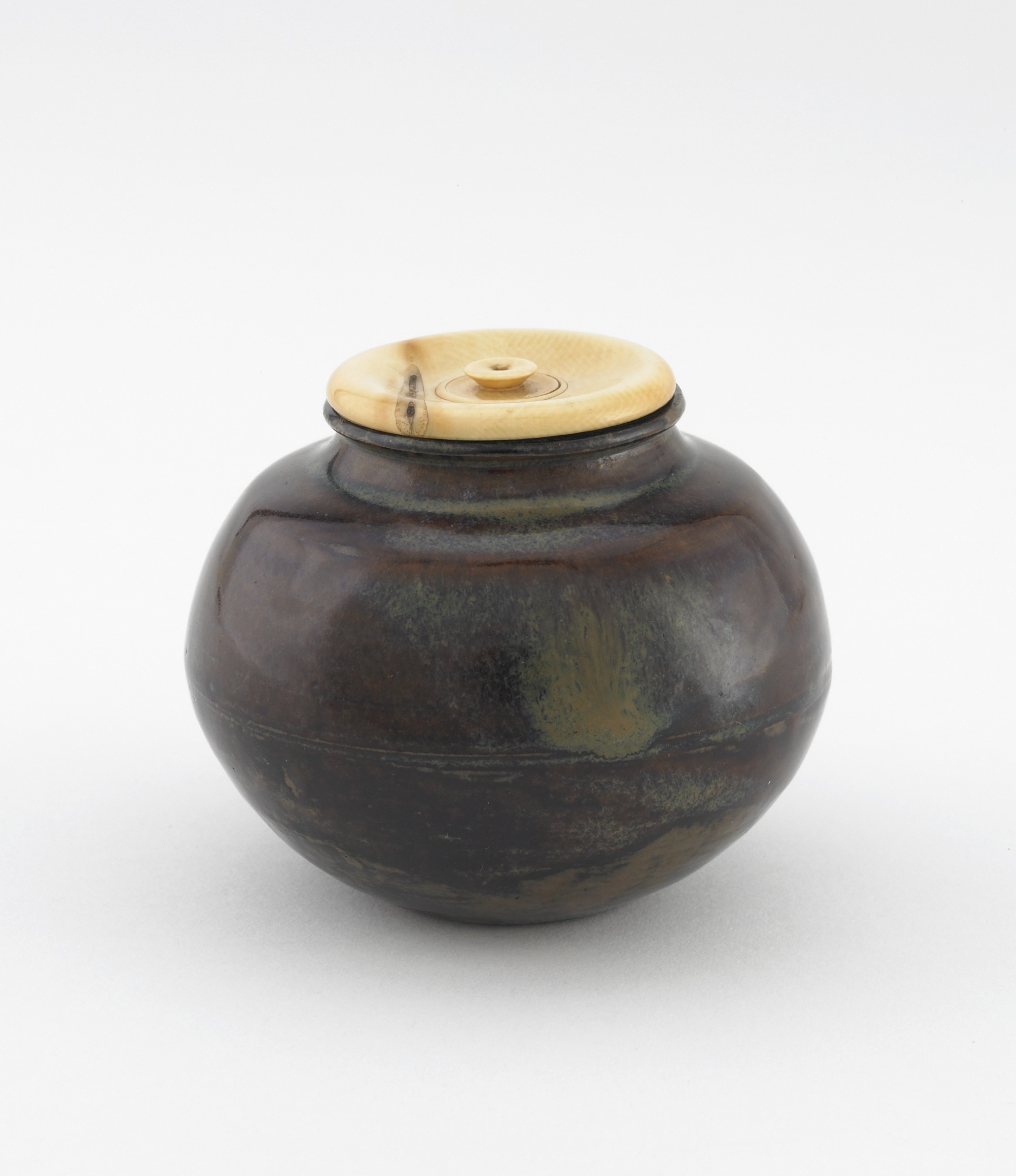 Karamono tea caddy, bunrin type