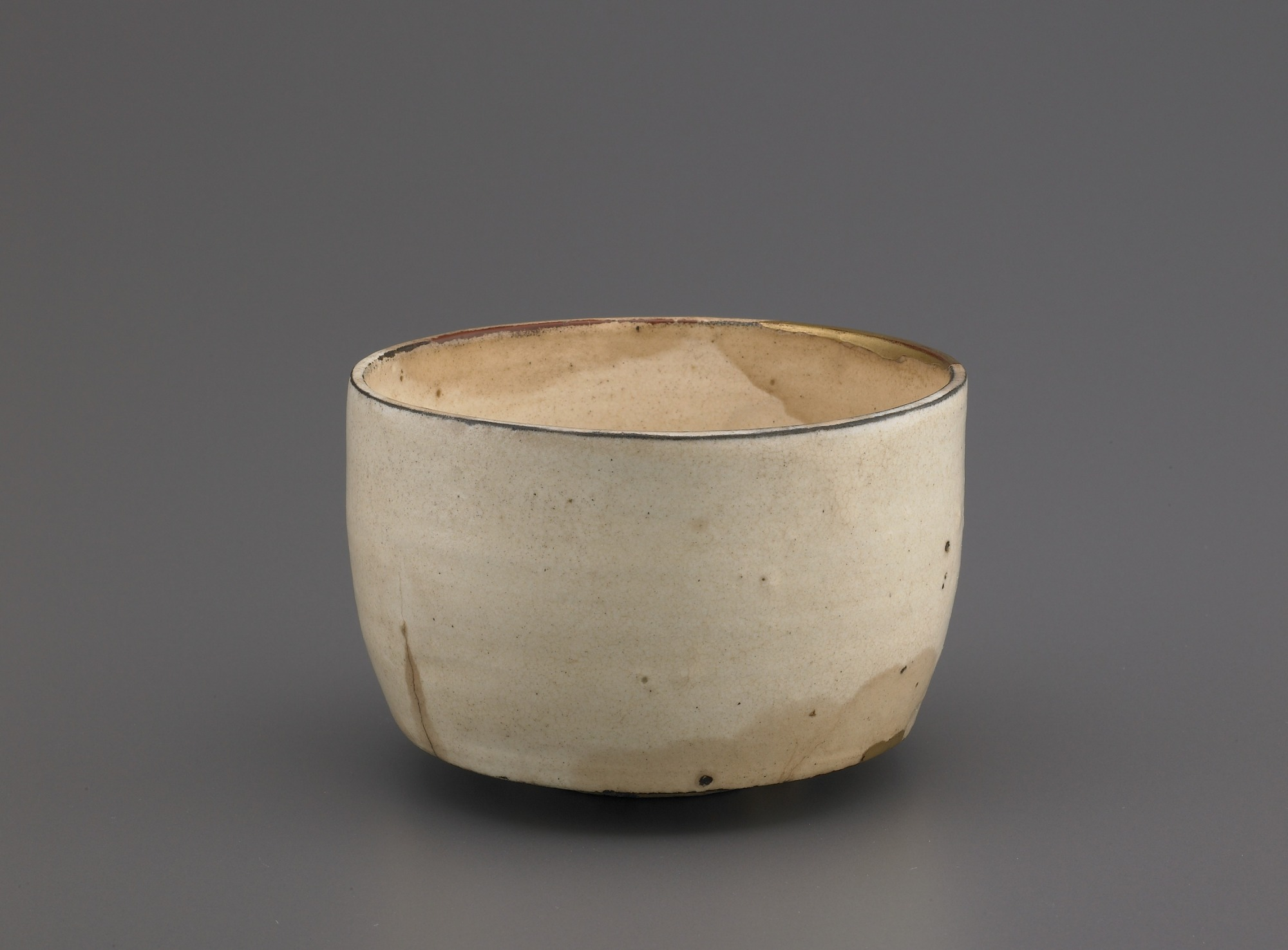 Cylindrical tea bowl, profile