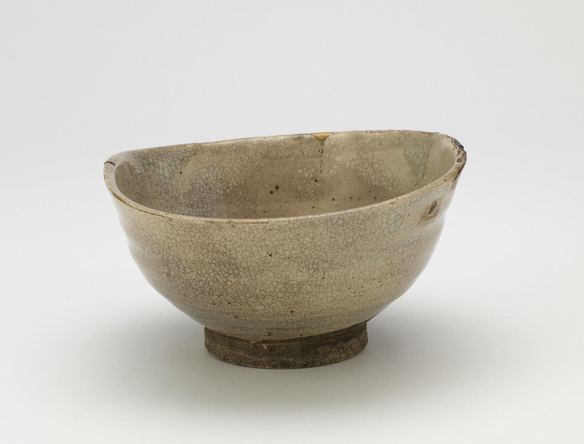 3/4 profile: Tea bowl