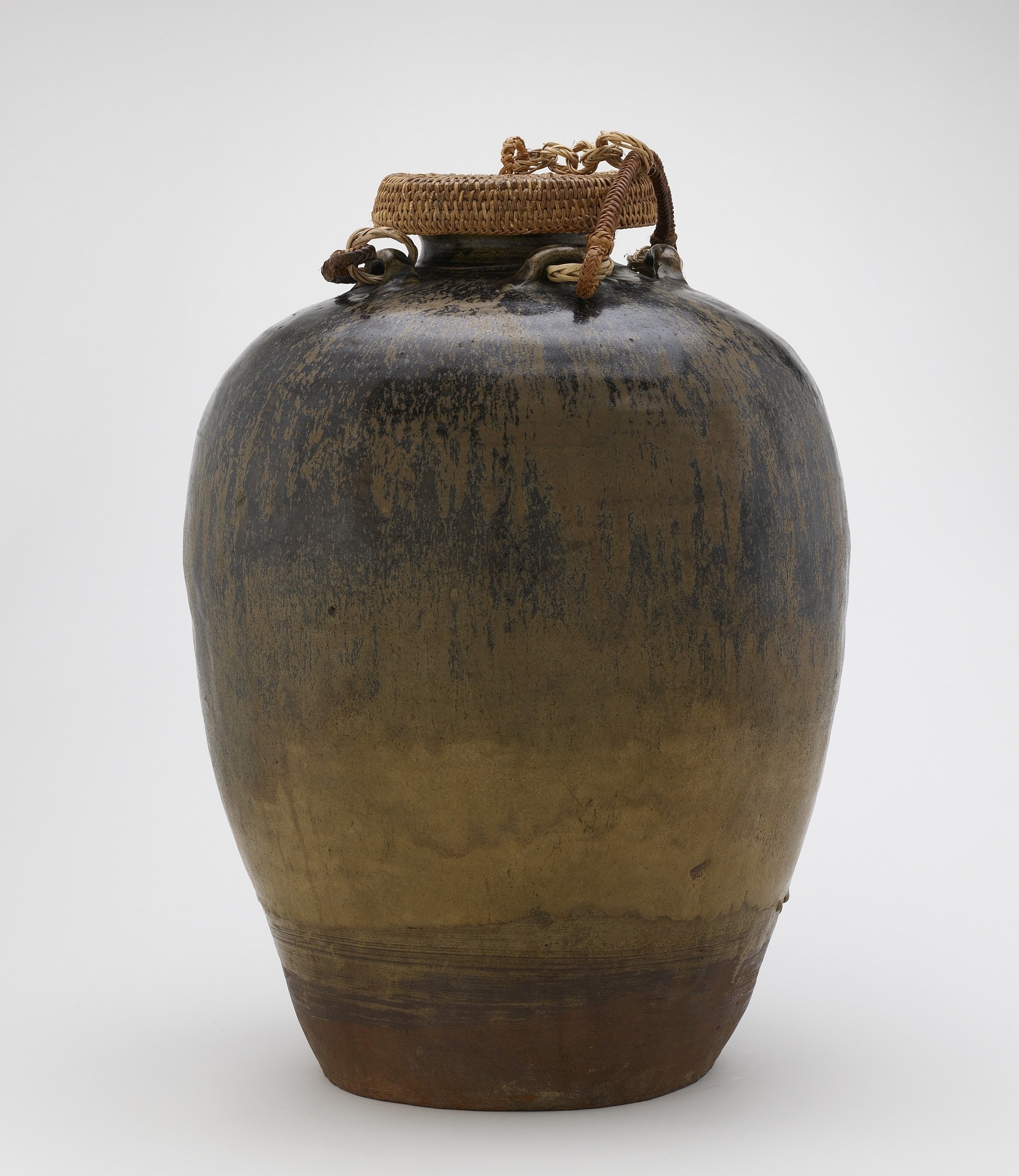 profile: Jar with four horizontal lugs