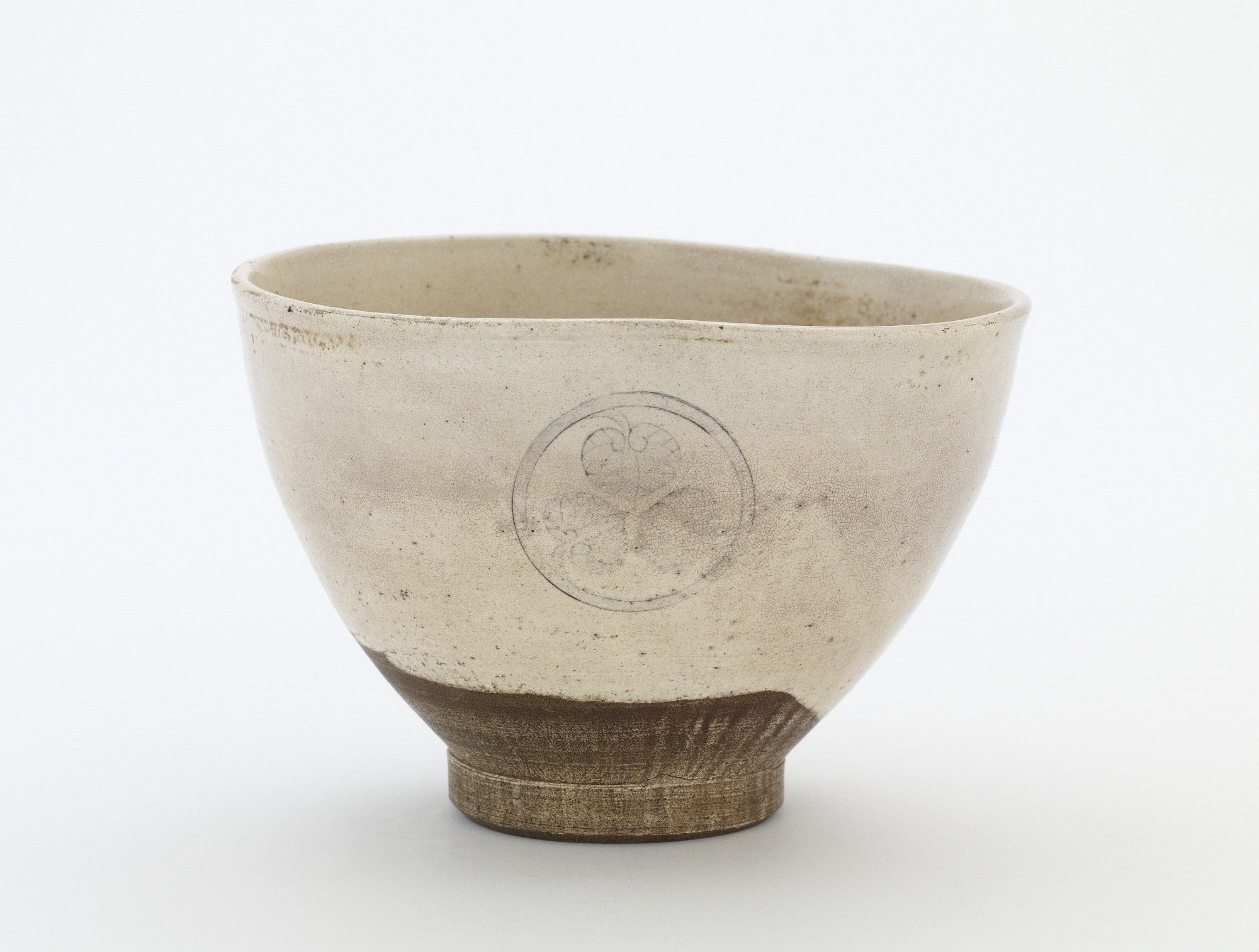 Tea bowl with triple-aoi crest, profile