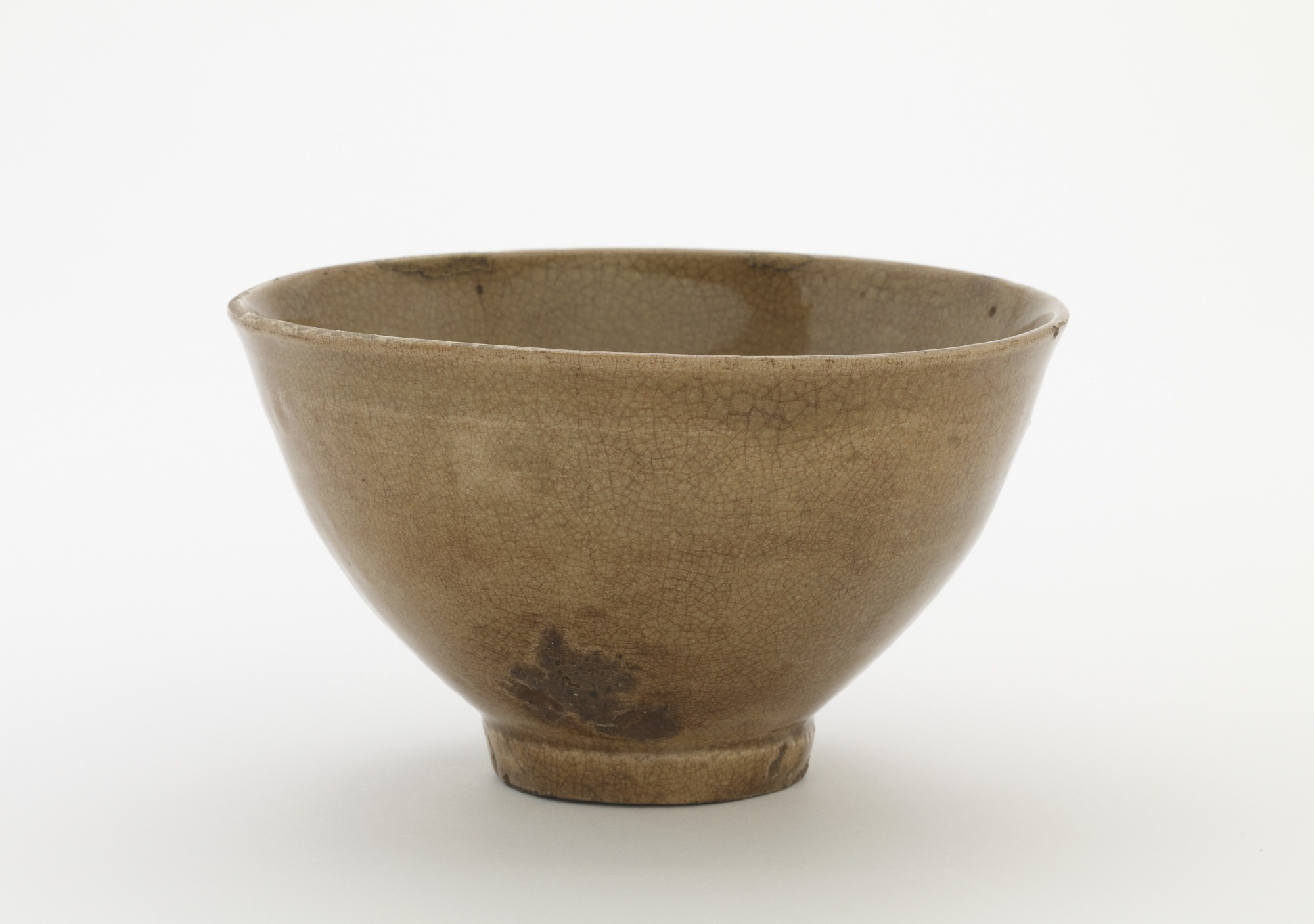 Tea bowl, named Shoki, profile
