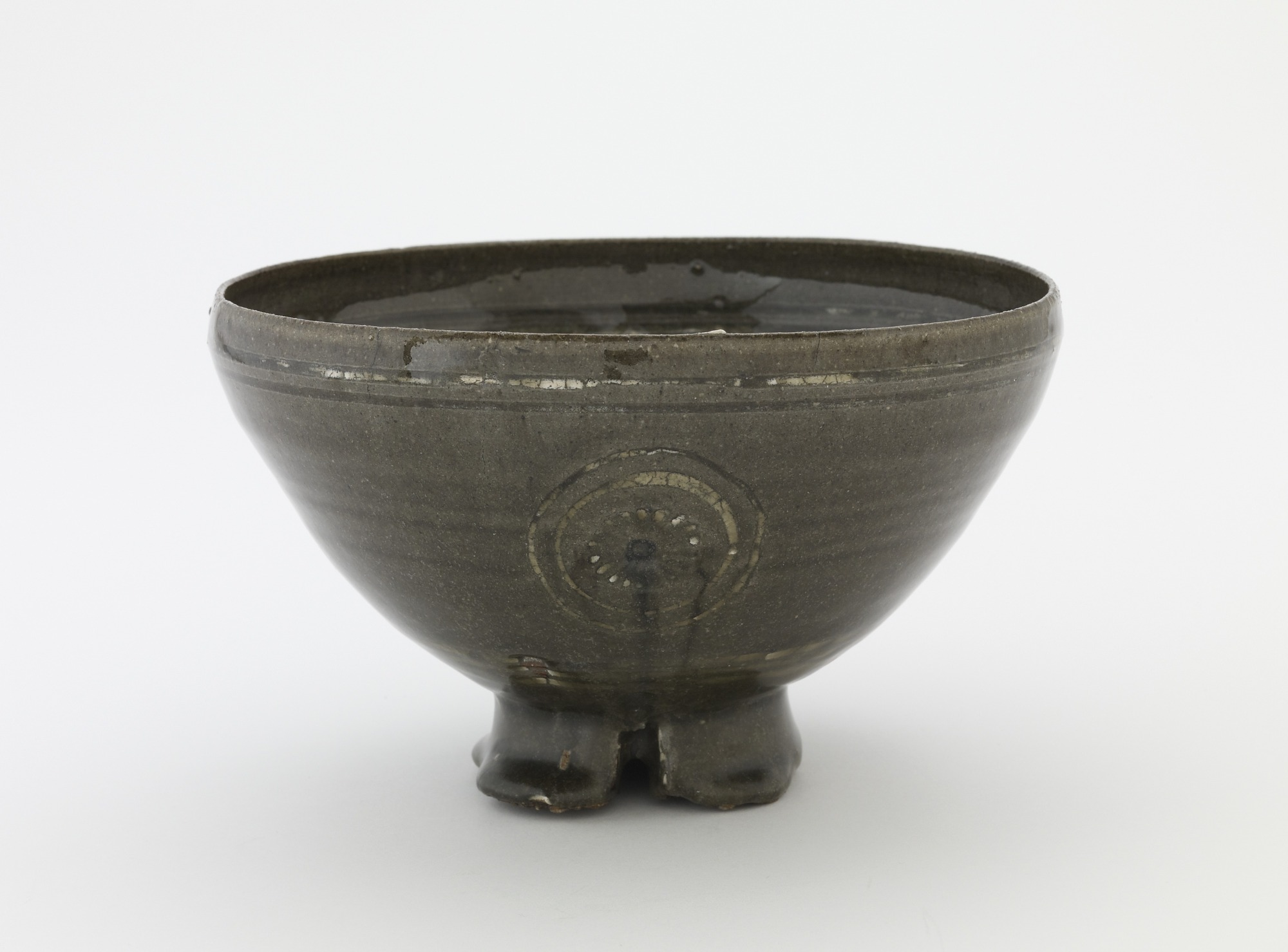 Tea bowl in style of inlaid Goryeo celadon ware, profile