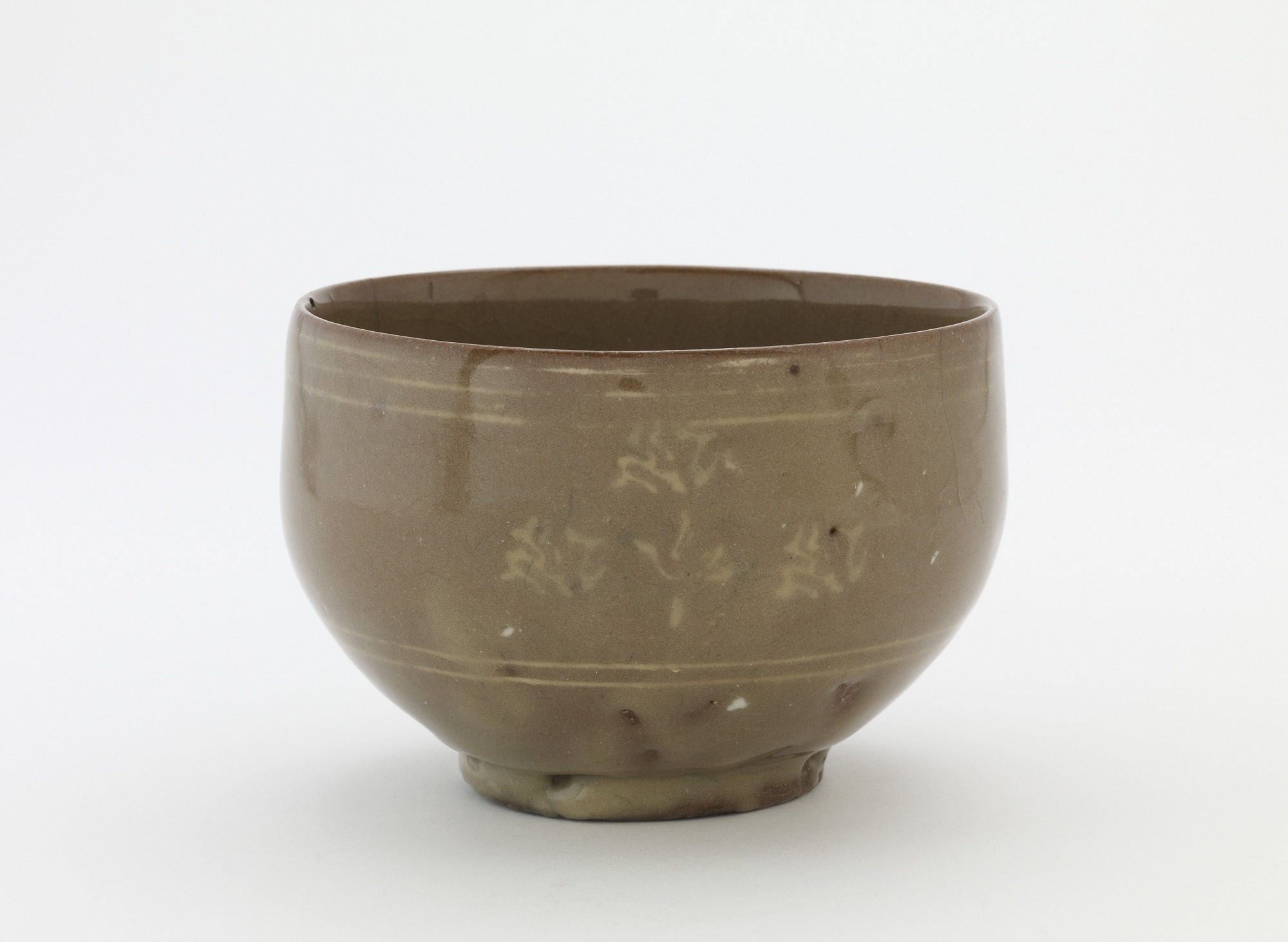 Tea bowl, unkaku type, profile