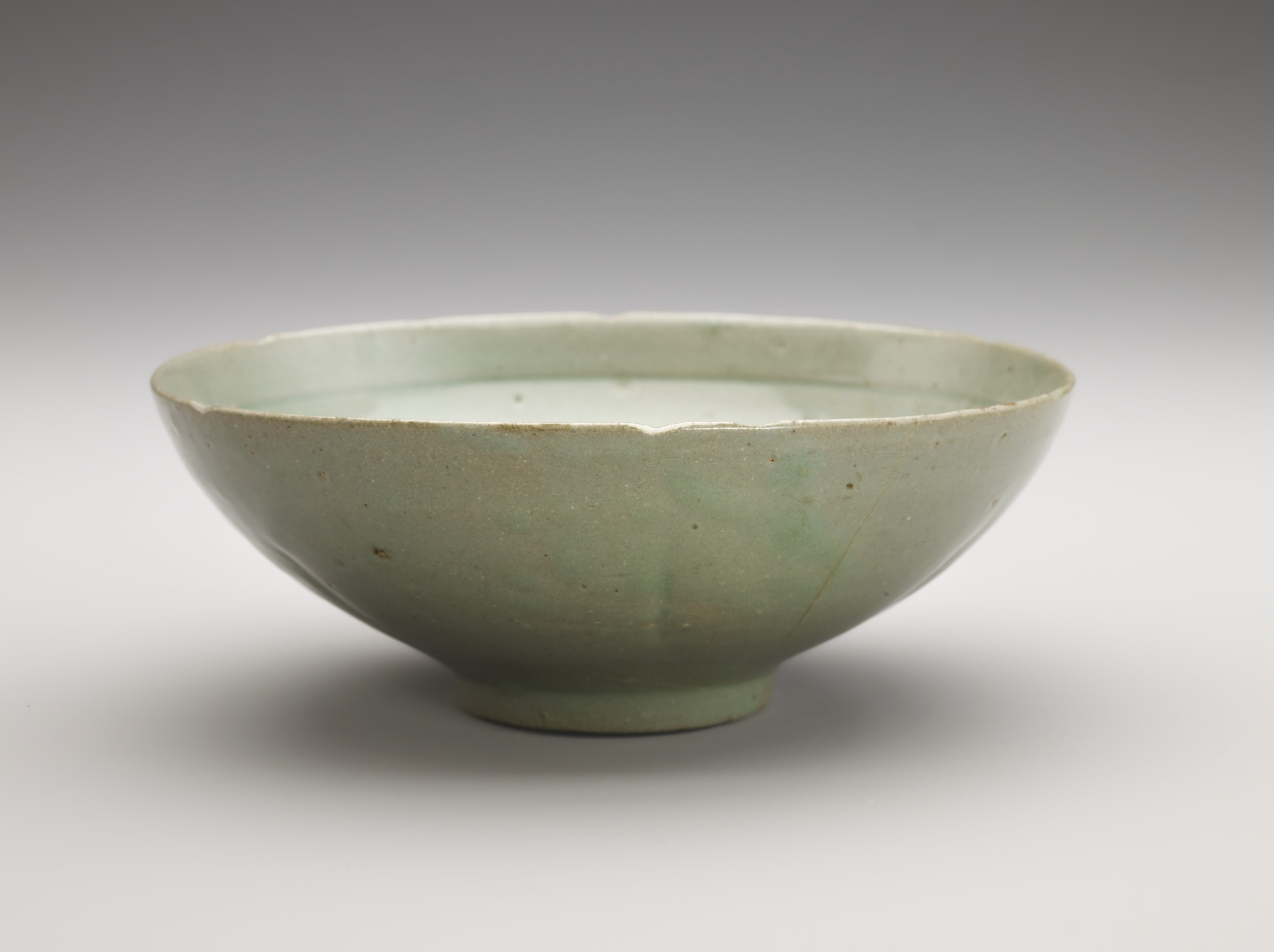Bowl of molded six-petal form, profile