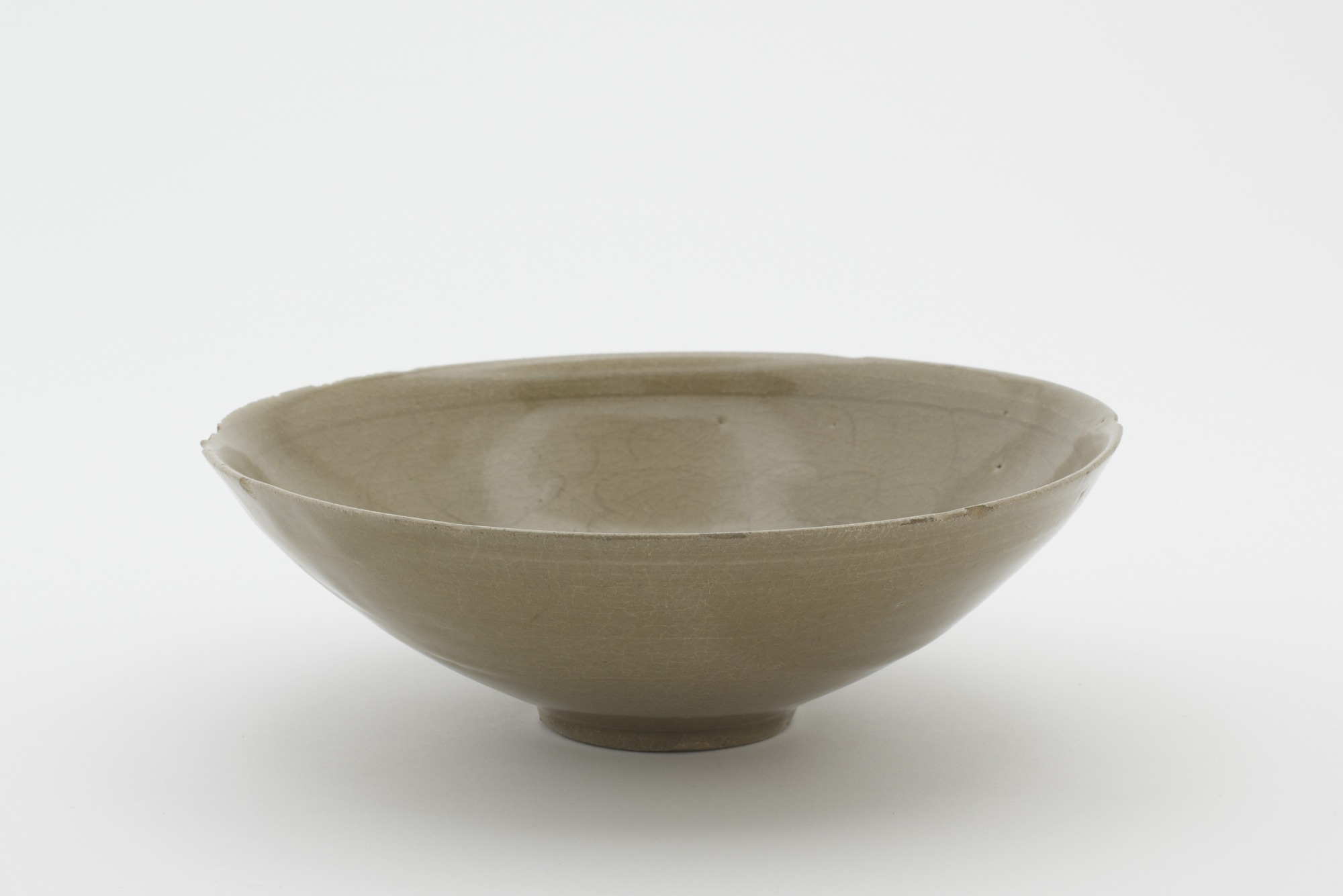 Bowl with incised decoration, profile