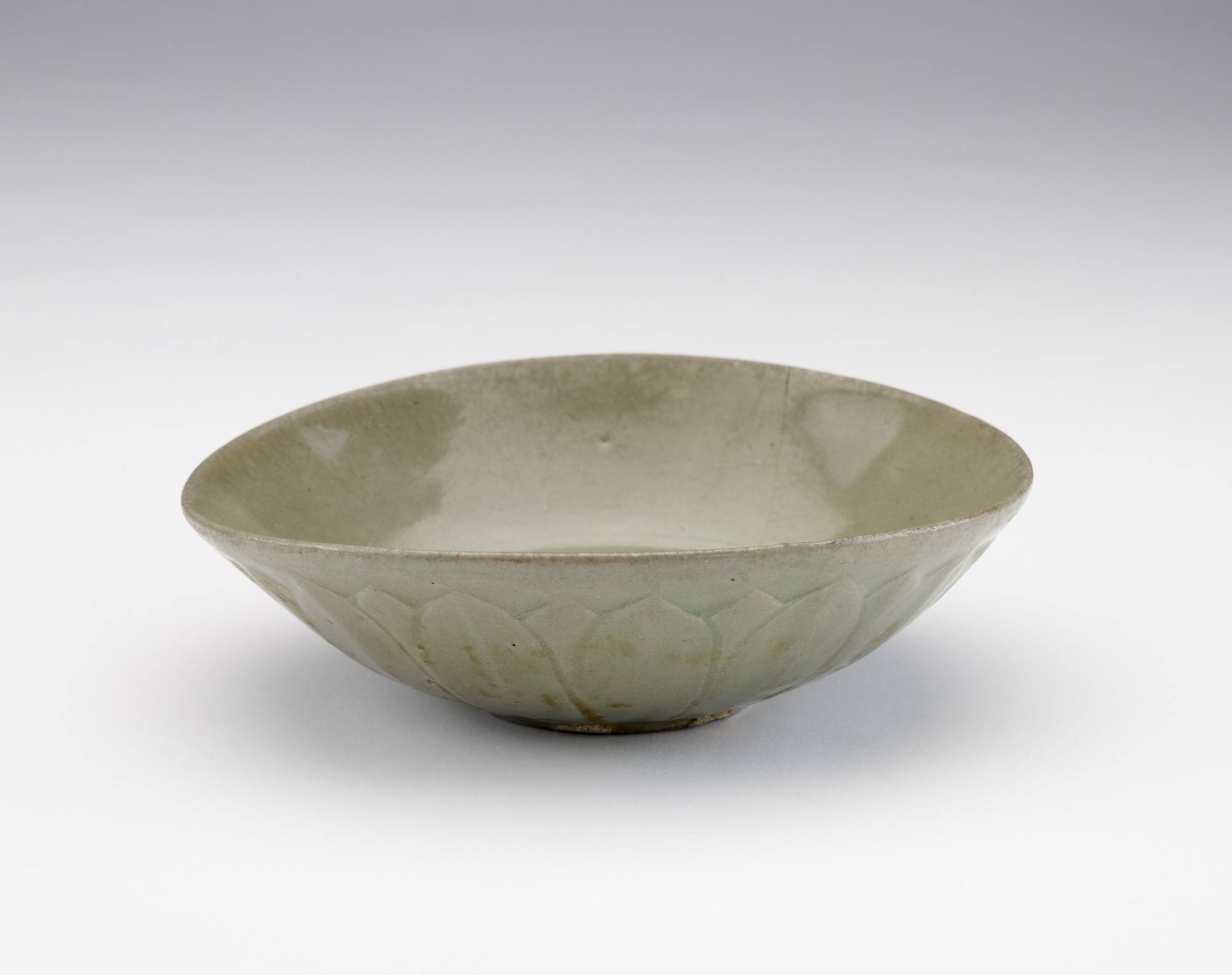 Bowl with molded and incised lotus decoration, profile