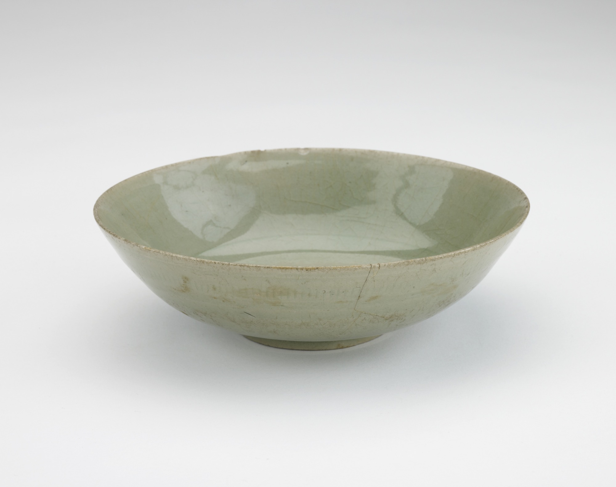 Bowl, 3/4 profile