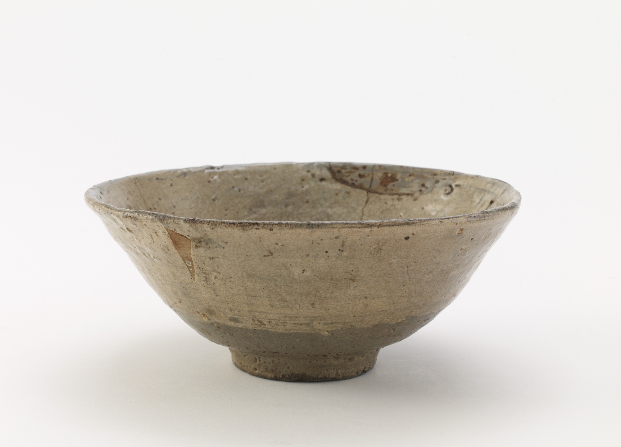 Tea bowl, hakeme type, profile