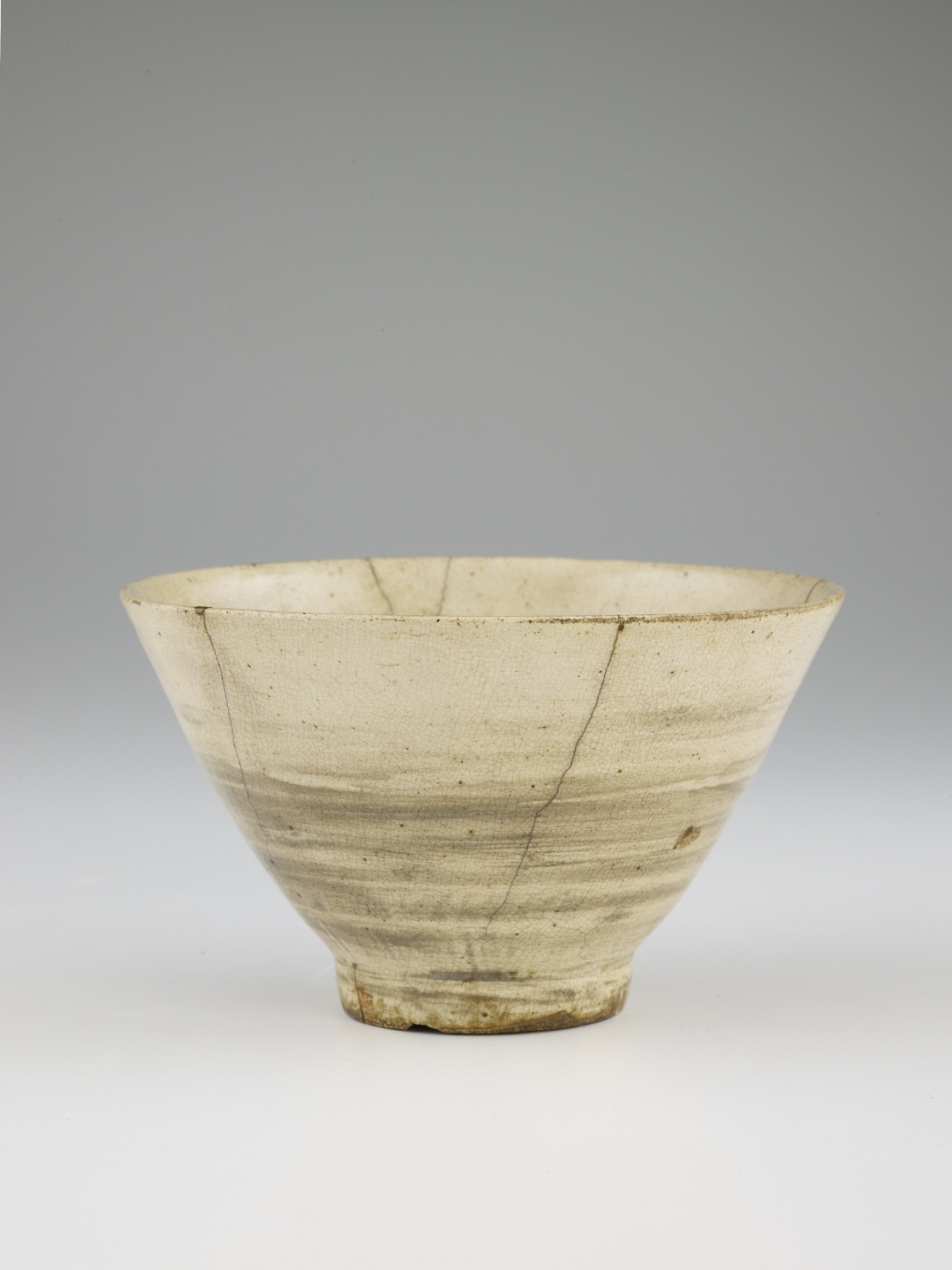 Tea bowl, in style of hakeme, profile