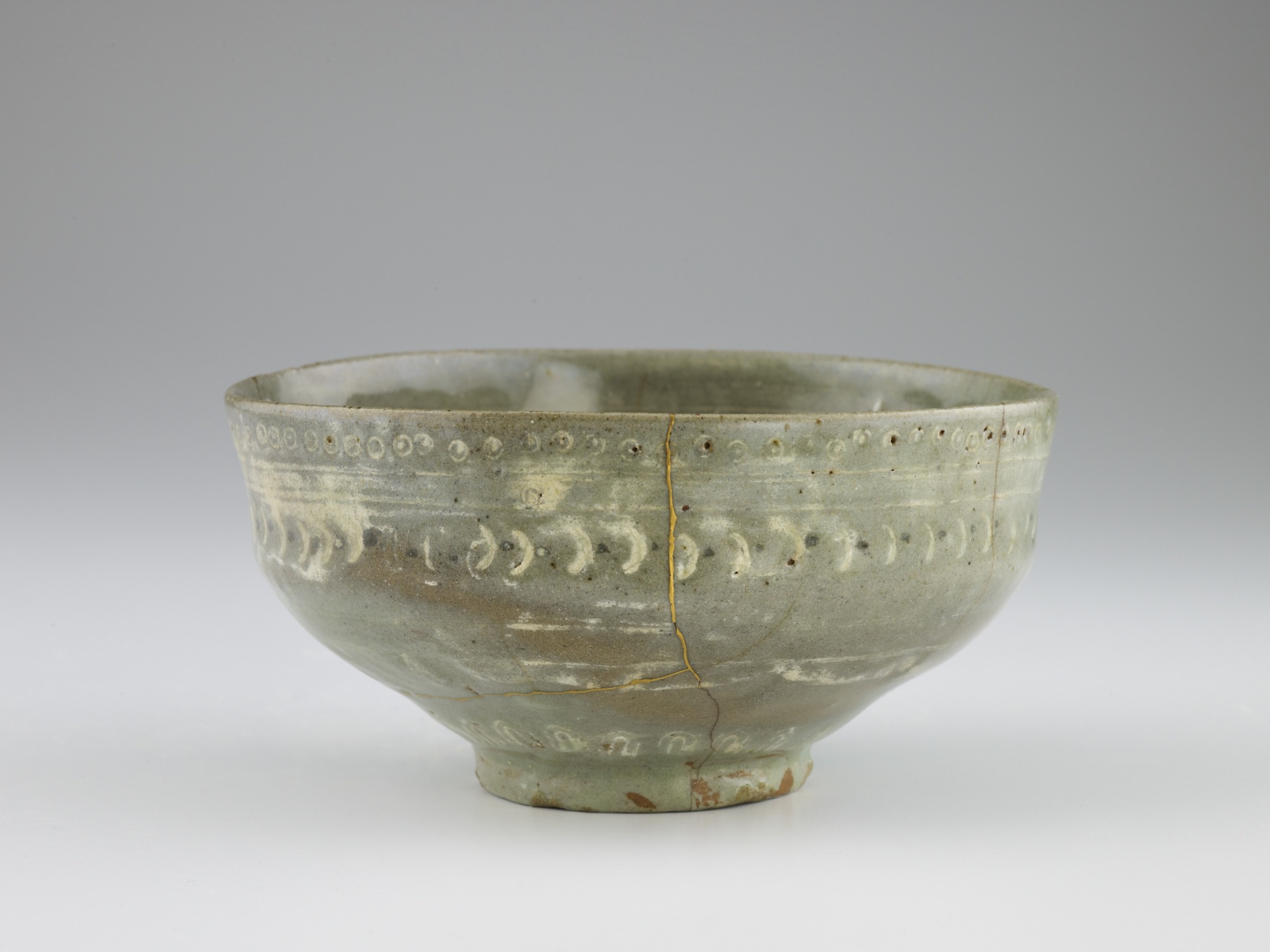 Tea bowl in style of Goryeo celadon, profile