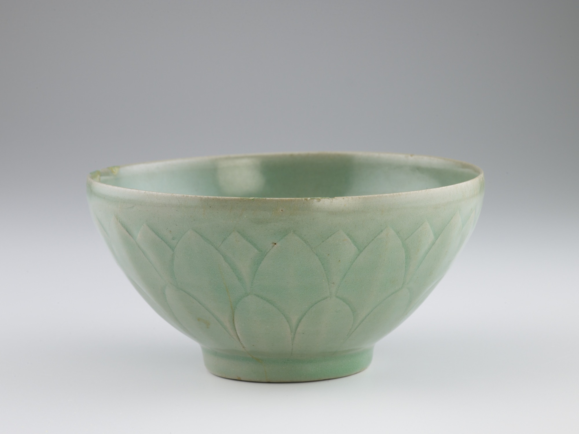 Bowl with molded and carved lotus decoration, profile