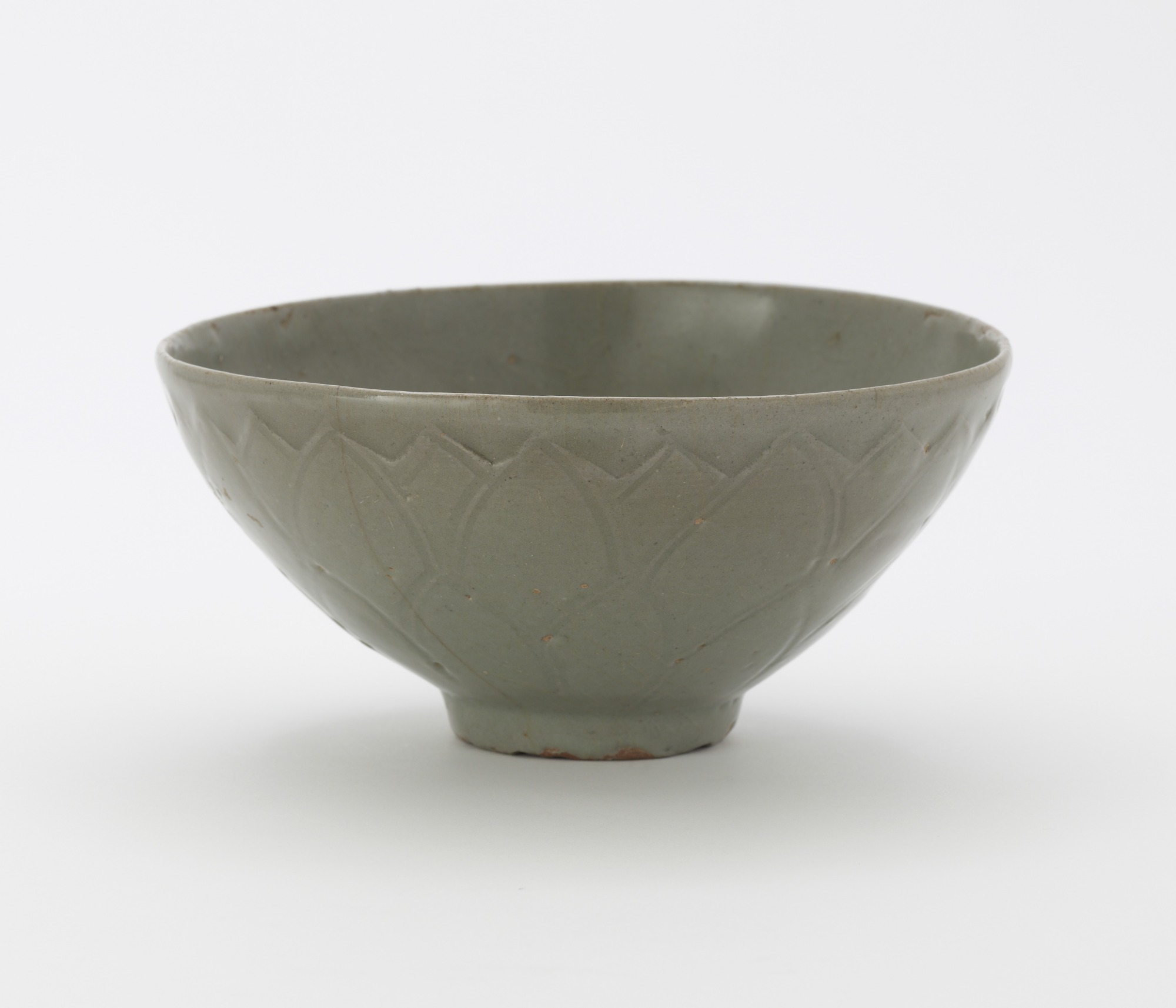 Bowl with carved and incised lotus decoration, profile