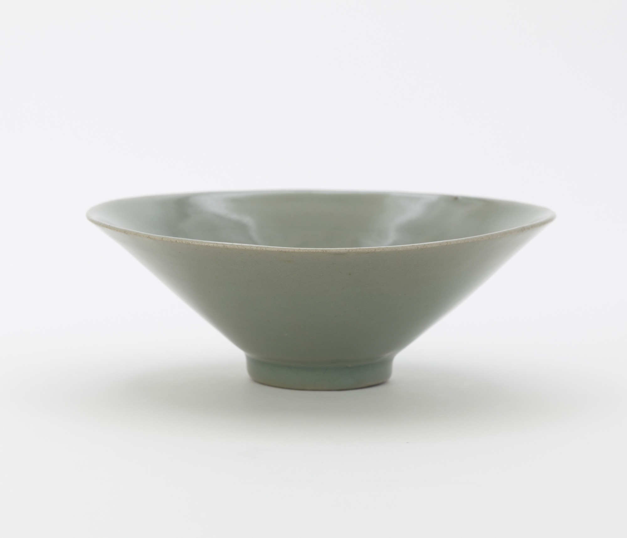 Bowl with molded and incised decoration of floral vinescroll, profile
