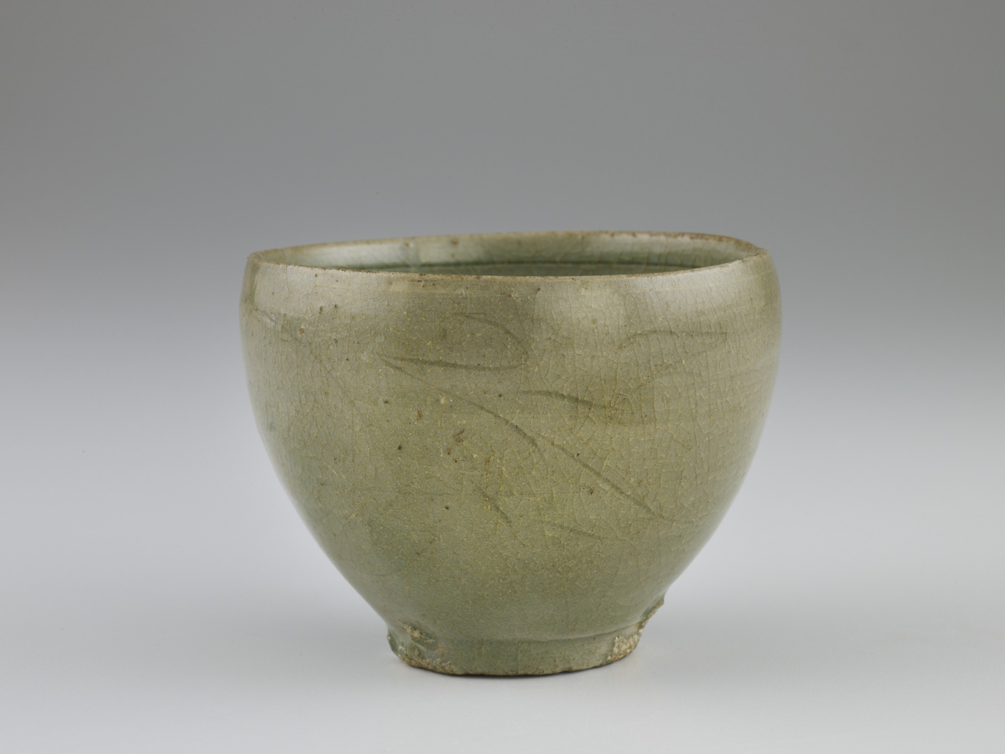 Cup with incised decoration, profile