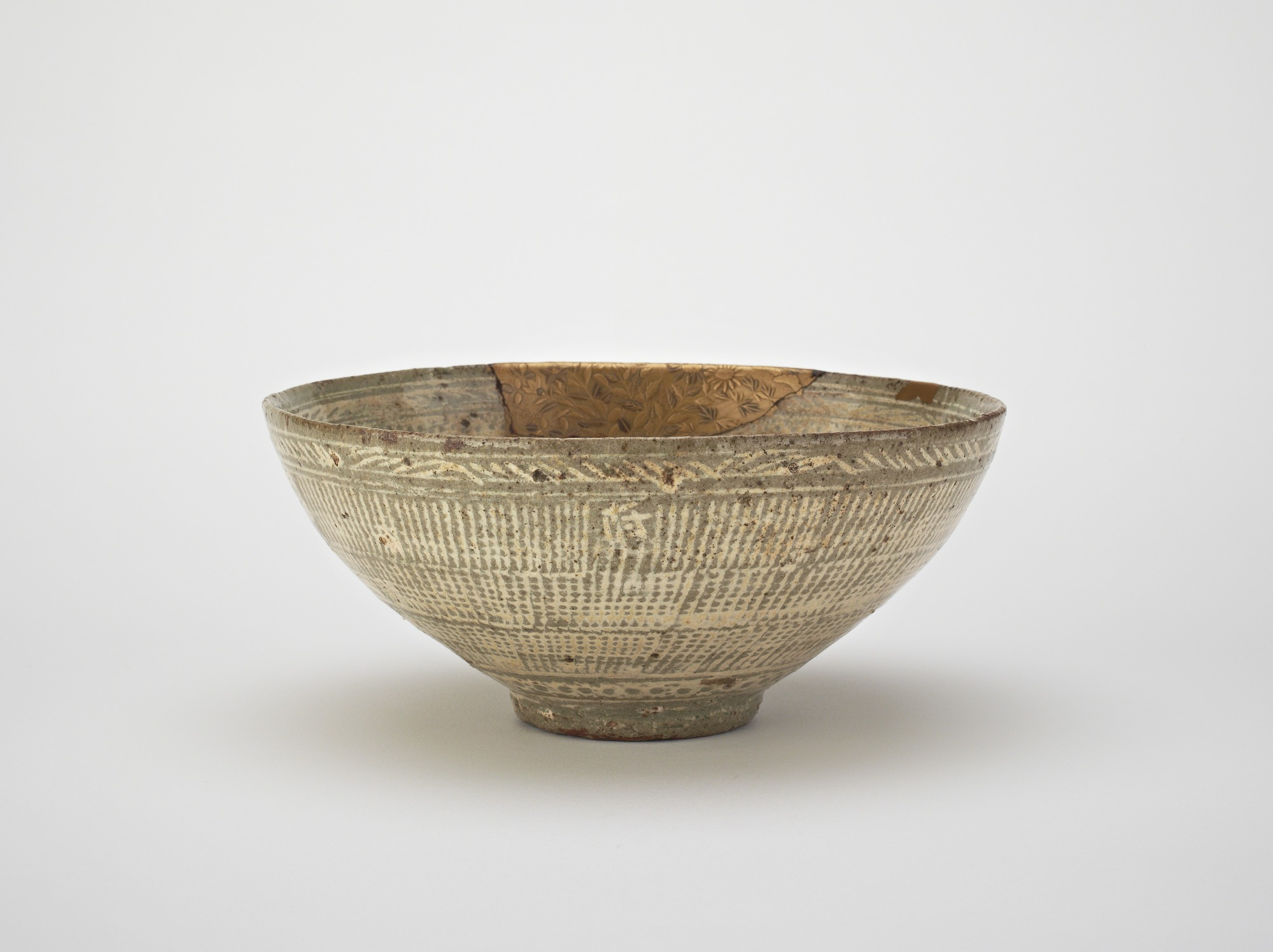 Bowl, used in Japan as tea bowl, profile