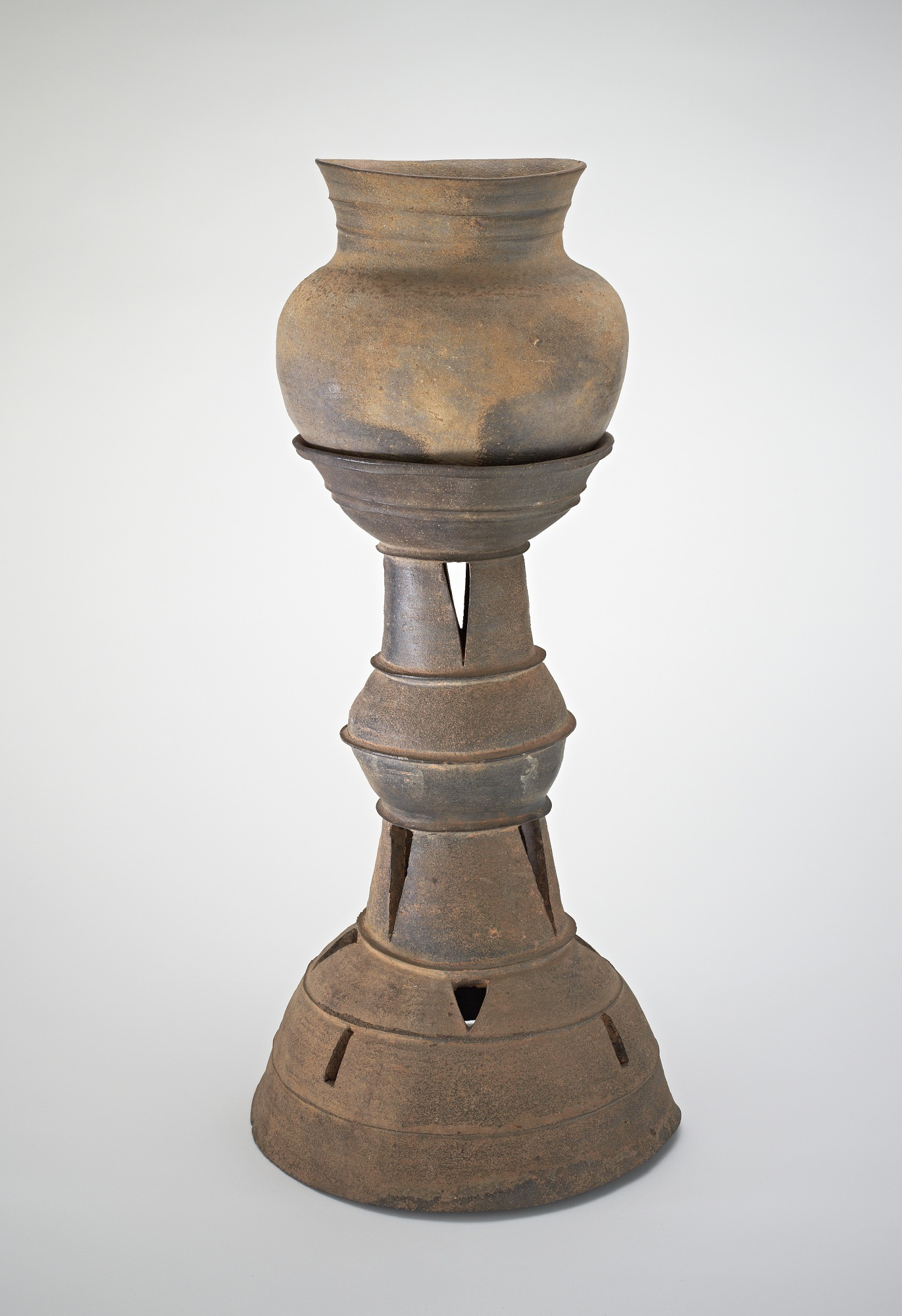 Funerary stand with round-bottomed jar, profile