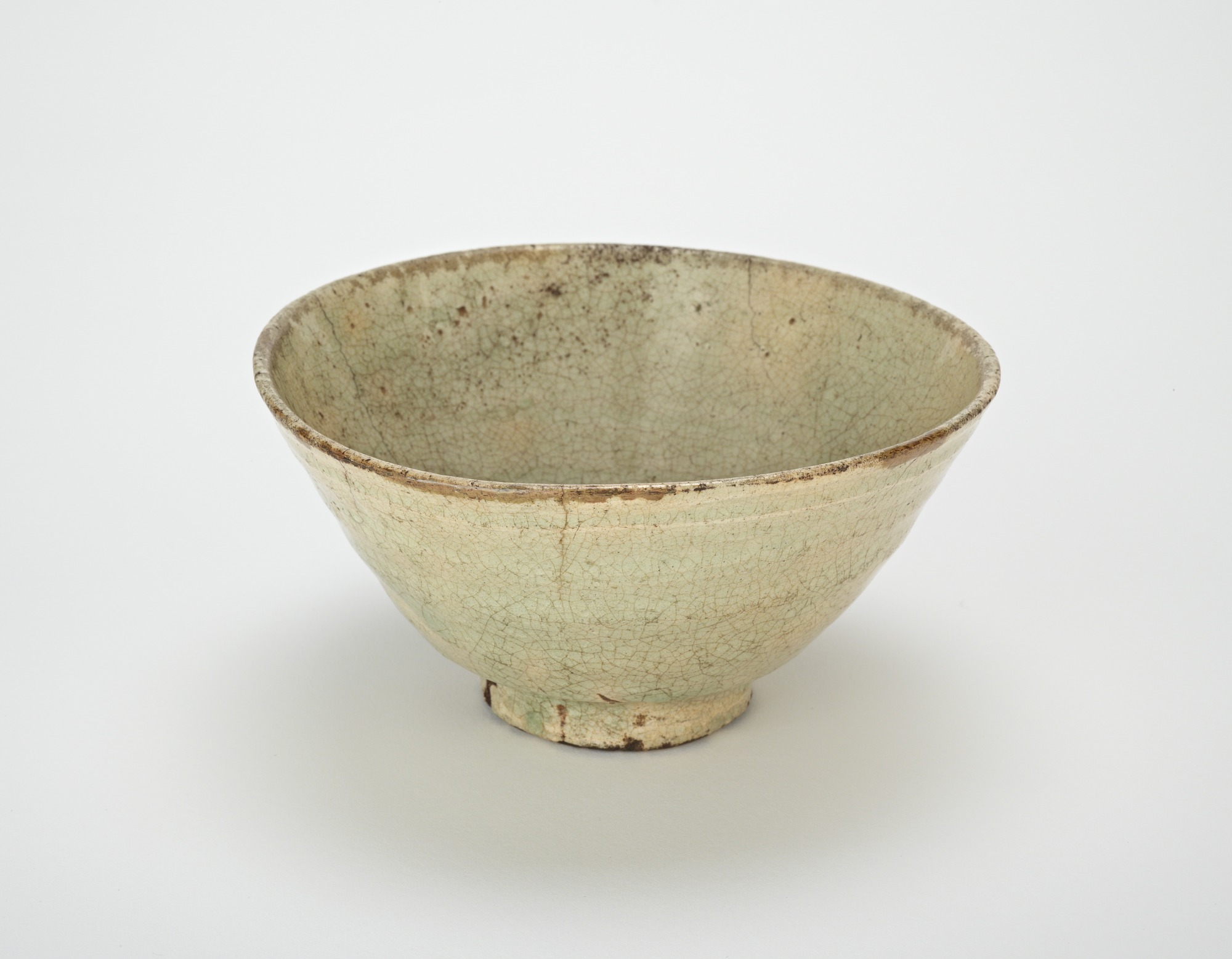 Tea bowl, 3/4 profile