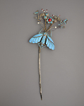 Hair ornament in the form of a butterfly