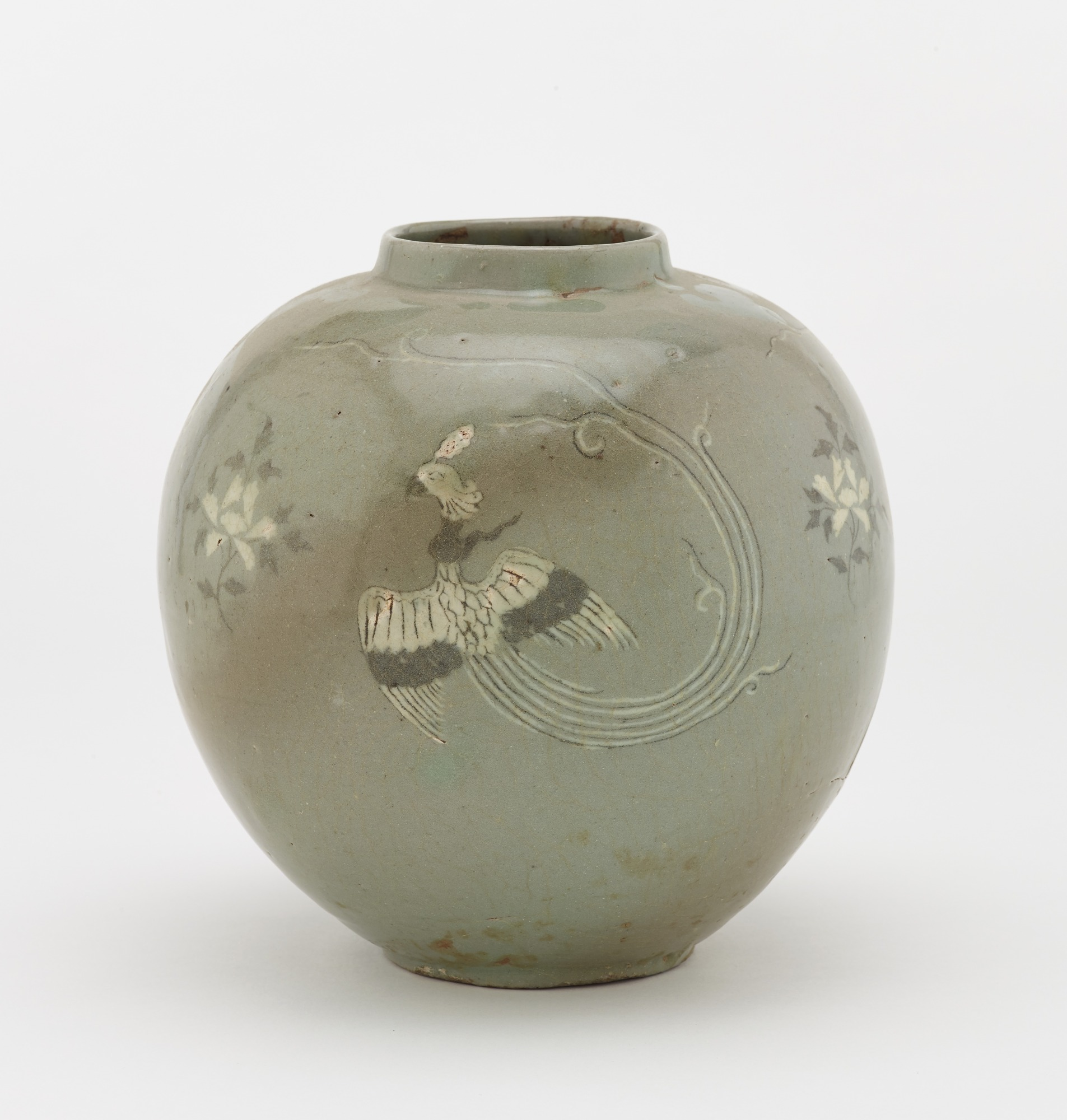 Jar with inlaid design of three phoenixes, profile