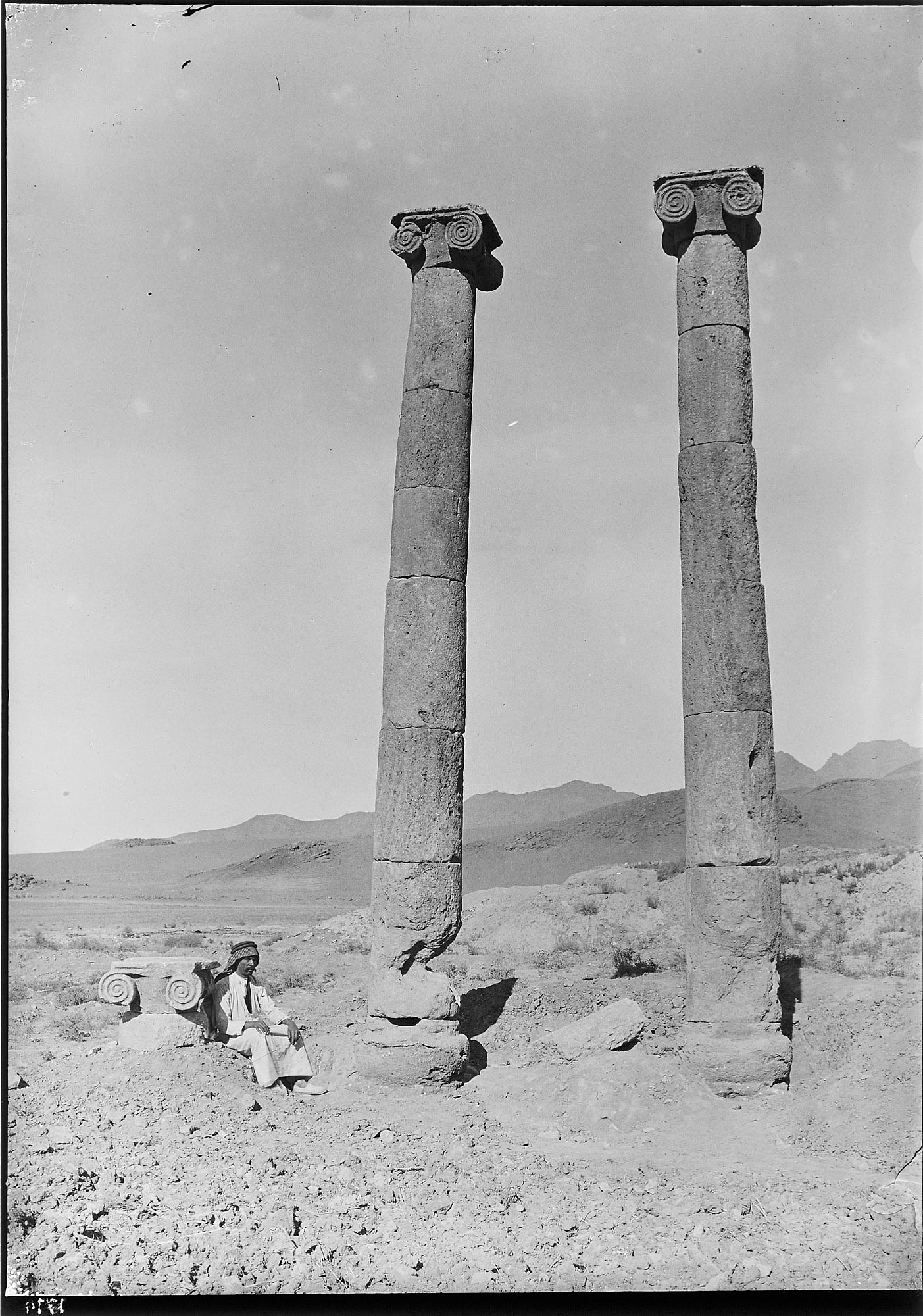 Khurha (Iran): Seleucid Temple: View of Ionic Capital and Two Standing Columns of the Peristyle [graphic]