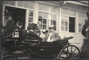 Yokohama: William H. Taft and Alice Roosevelt in carriage with Japanese dignitaries at Imperial rest villa