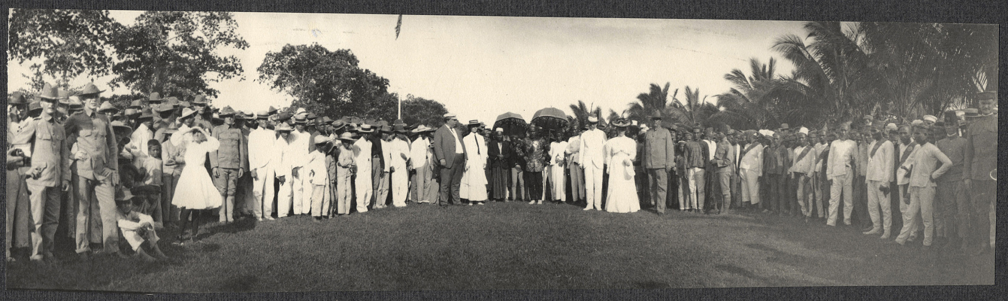 Zamboanga: Americans with Moro leaders at parade grounds. William H. Taft and Alice Roosevelt at center
