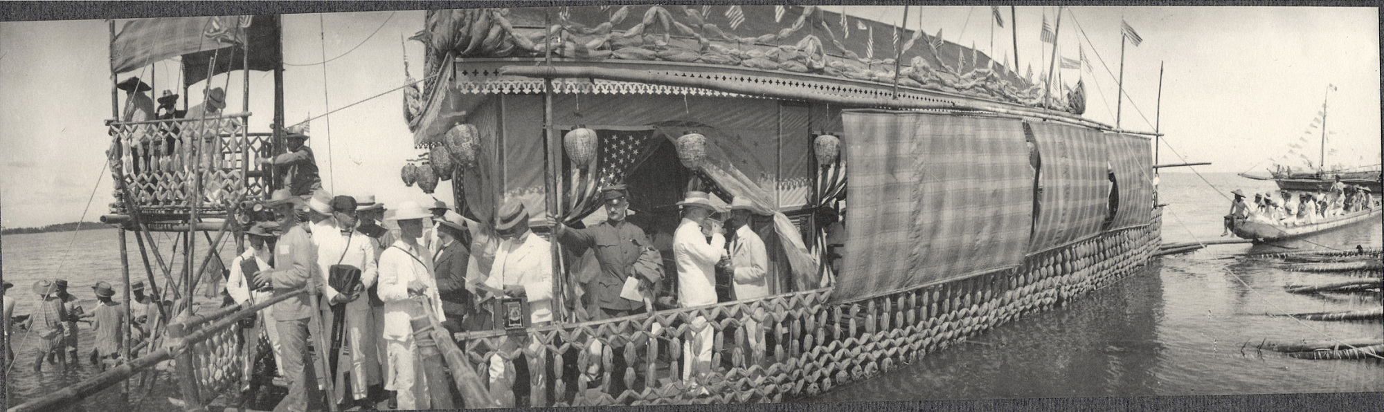 16-Aug-05: Bacolod: Ceremonial raft on the occasion of the visit of William H. Taft