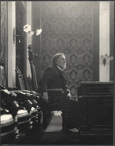 Manila: Senator Nathan B. Scott presiding over a meeting in the Salon de Marmol of the Ayuntamiento de manila