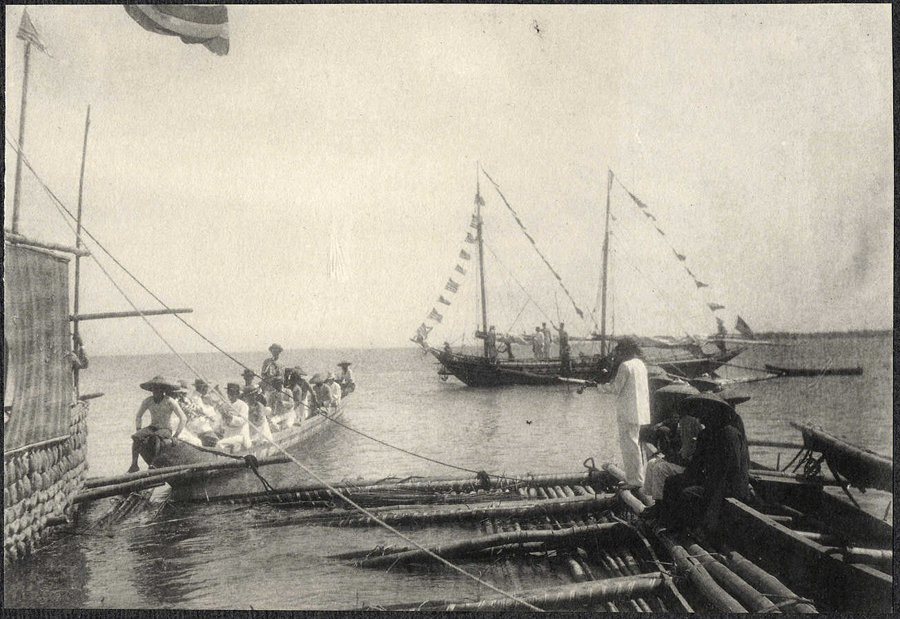 Bacolod: Musicians who accompanied the ceremonial raft
