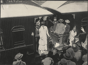 Tianjin: Alice Roosevelt boarding the train from Port of Tianjin to Beijing
