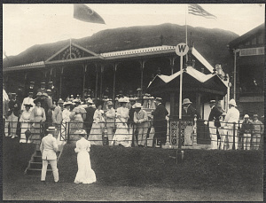 Hong Kong: Americans and British at the racetrack