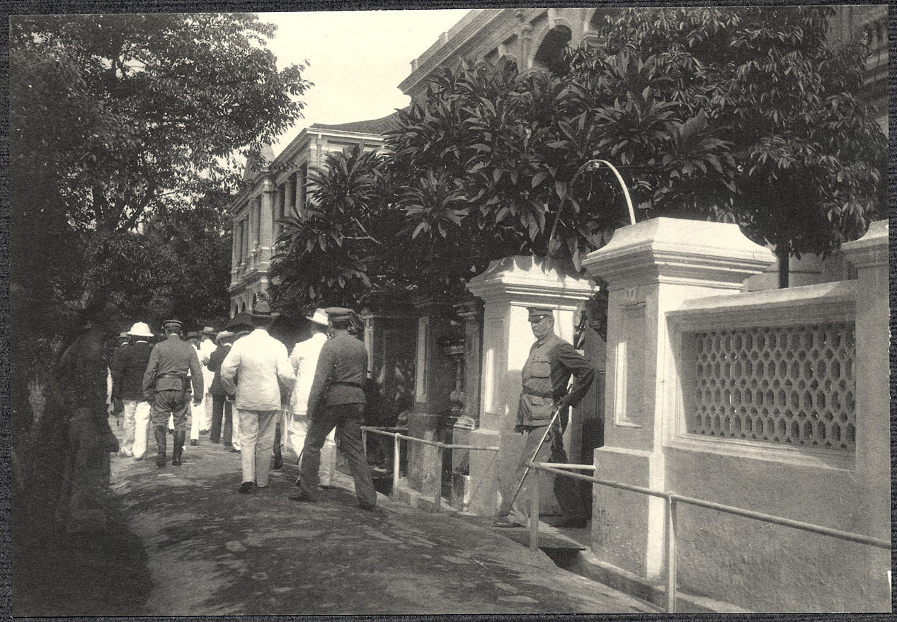 Guangzhou: William H. Taft leaving American consulate