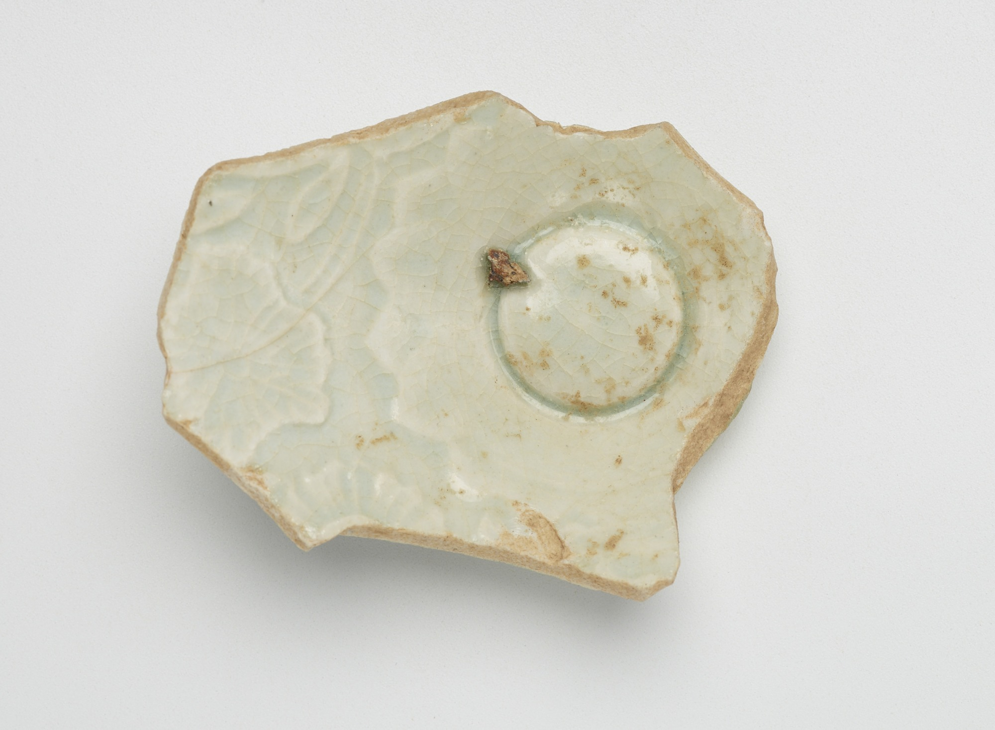 Fragment of bowlw ith molded decoration