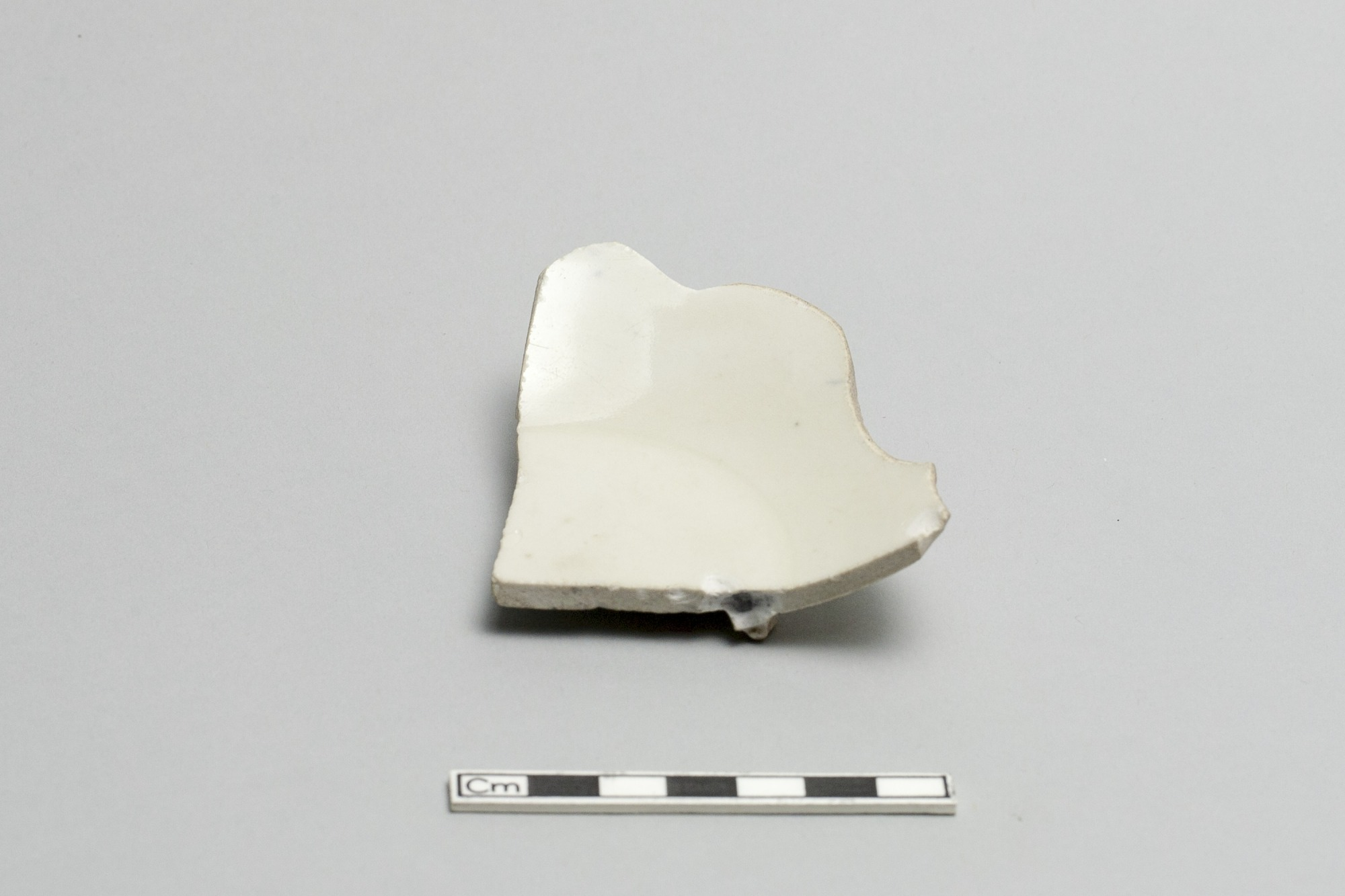 Base of a foliated dish