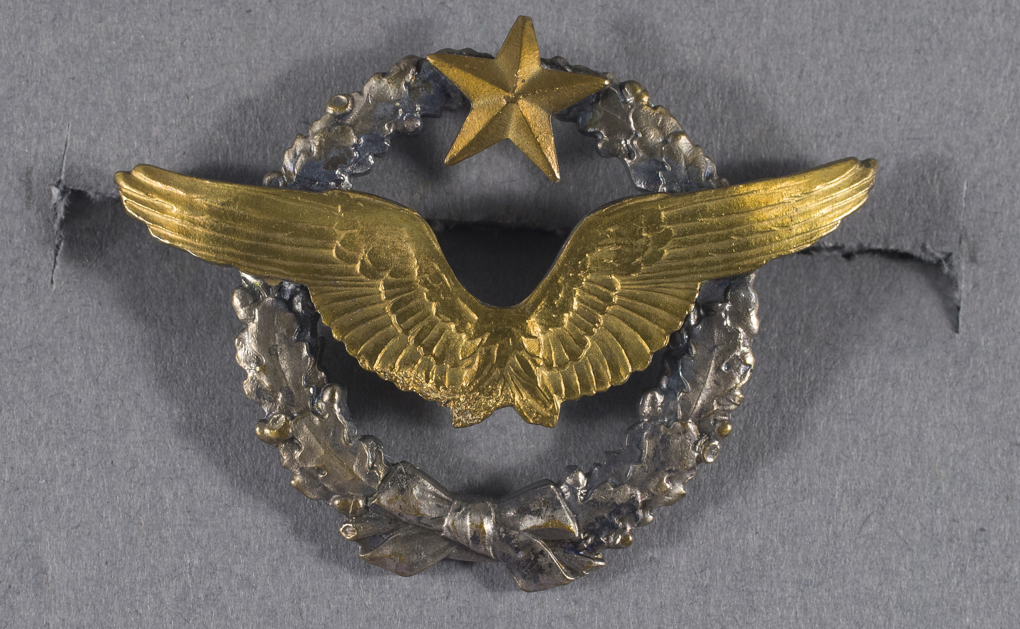 Image of : Badge, Pilot, French Air Service, Lafayette Escadrille