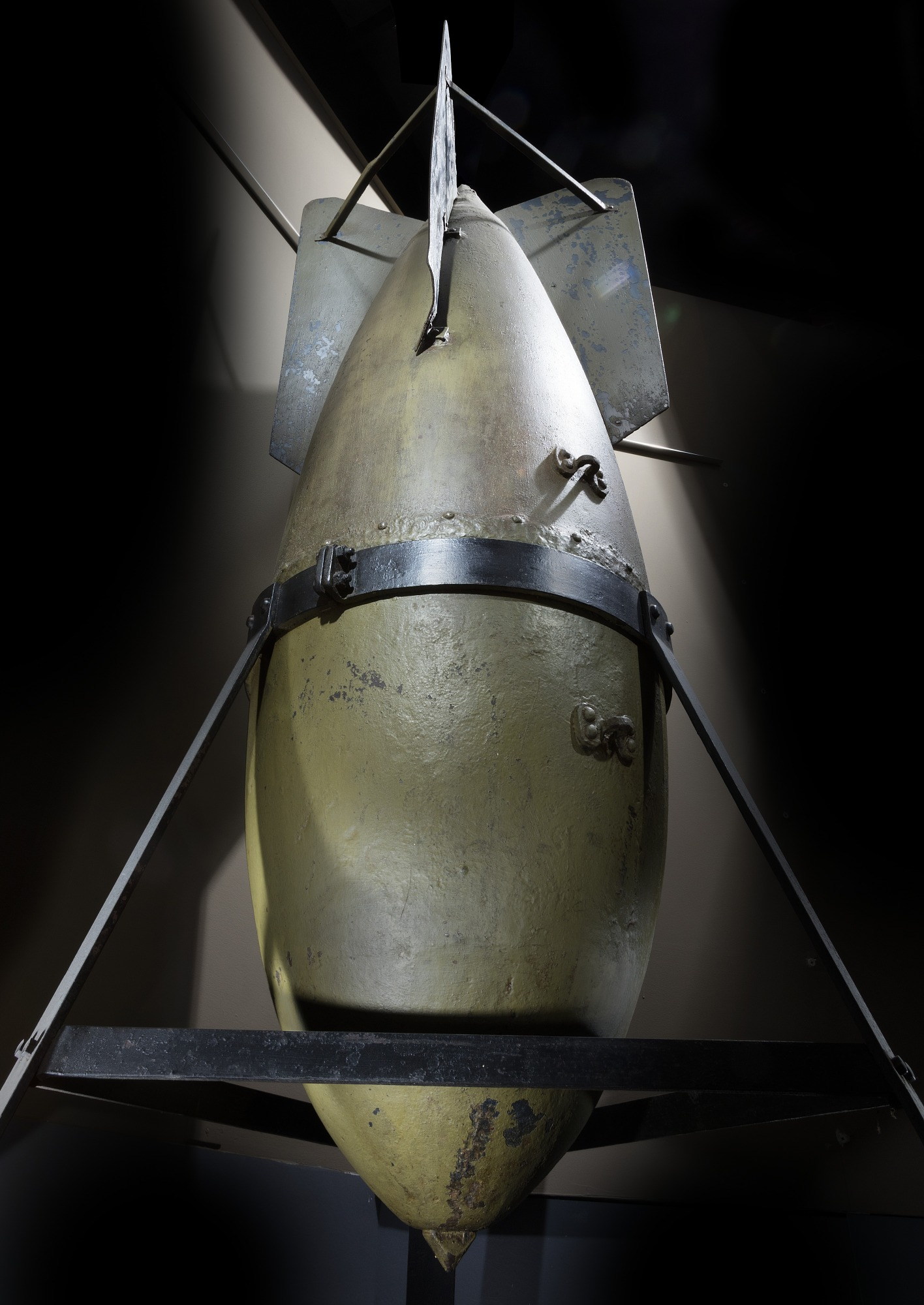 Image of : Bomb, High Explosive