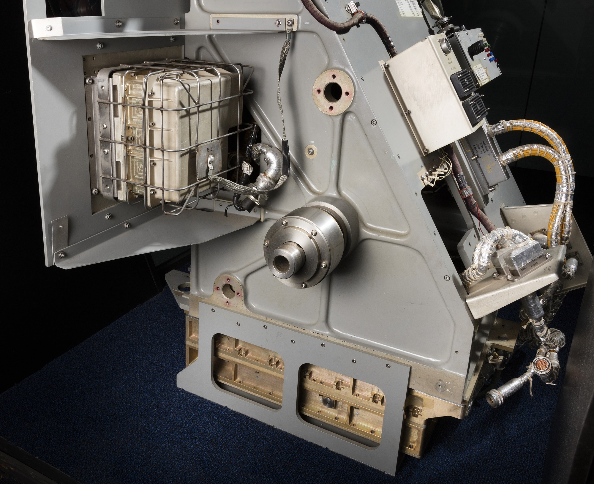 Image of : Guidance and Navigation System, Command Module, Apollo, Test article