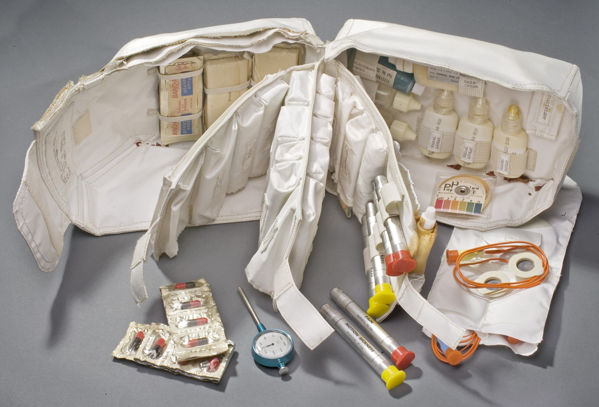 Image of : Kit, Medical Accessories, Command Module, Apollo 11