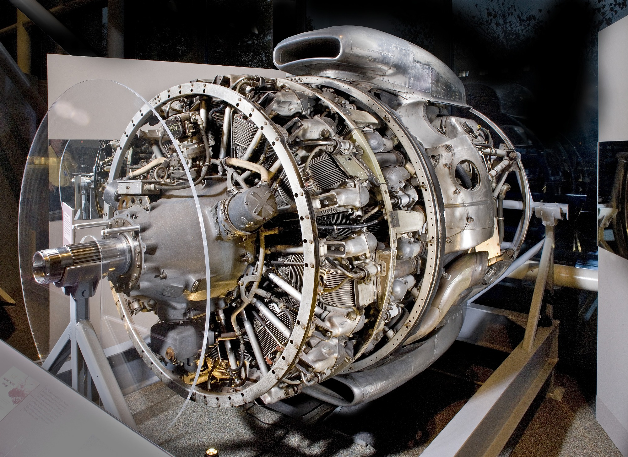 Image of : Wright Turbo-Cyclone 18R-3350-TC (972TC18DA2), 2-Row, Radial Engine