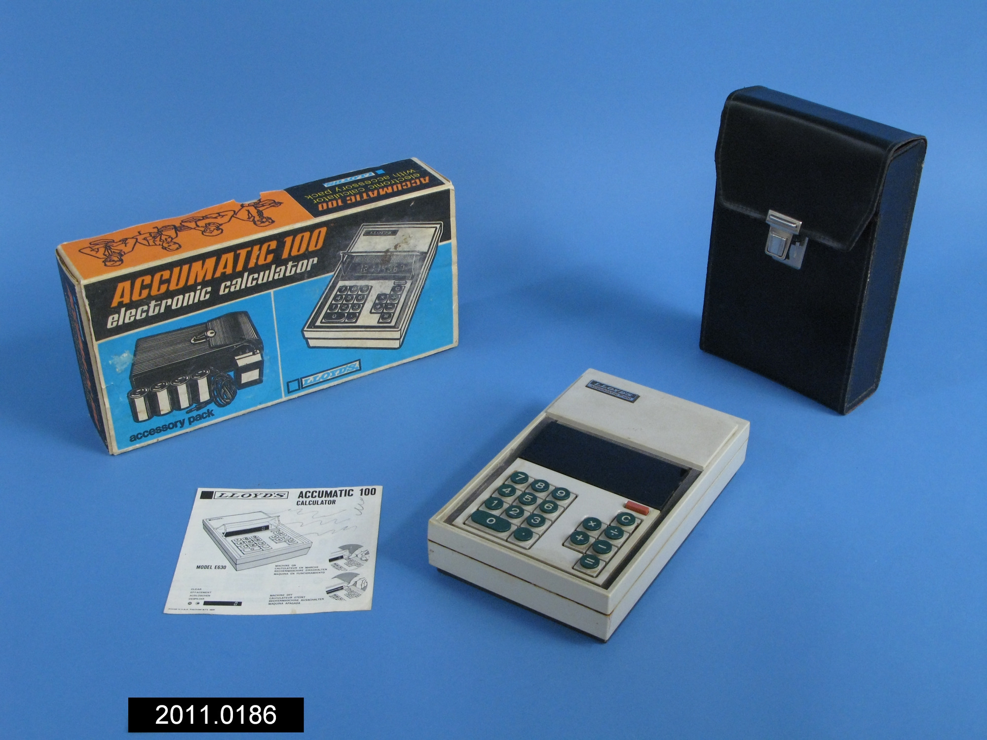 Accumatic 100 Electronic Calculator