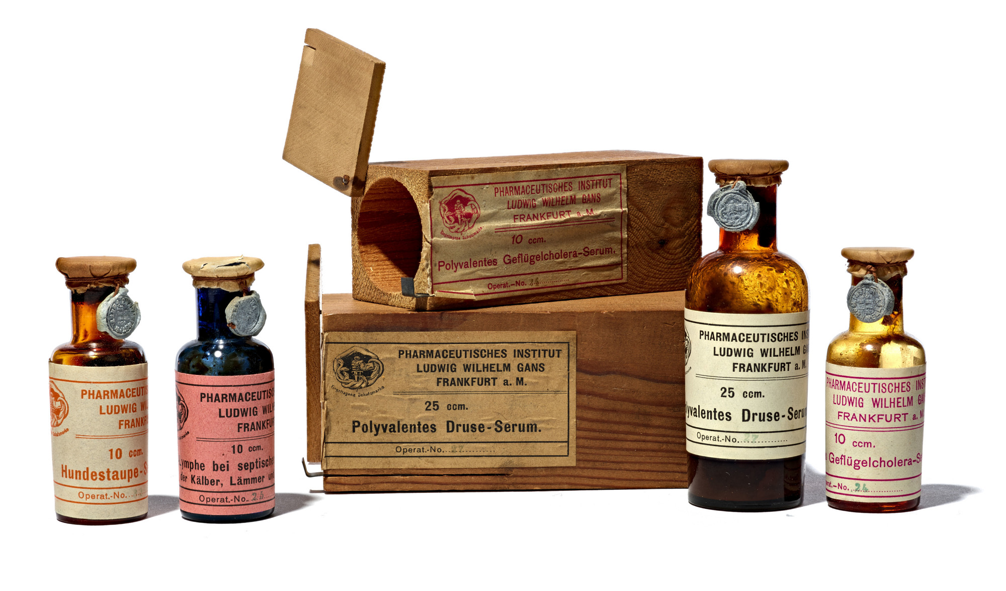 Early 20th-century serums for canine distemper, chicken cholera, and other livestock infections made by Ludwig Wilhelm Gans, Frankfort, Germany
