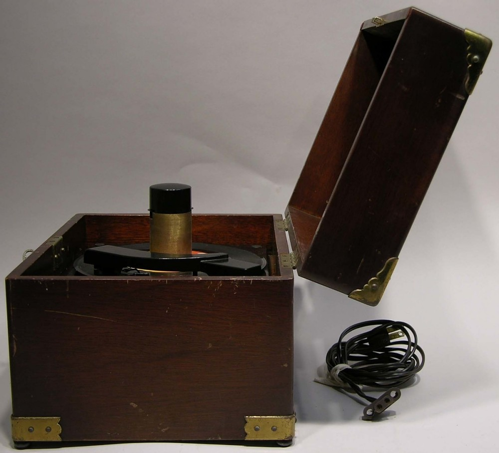 RCA Victor CP-5203 Turntable | National Museum of American