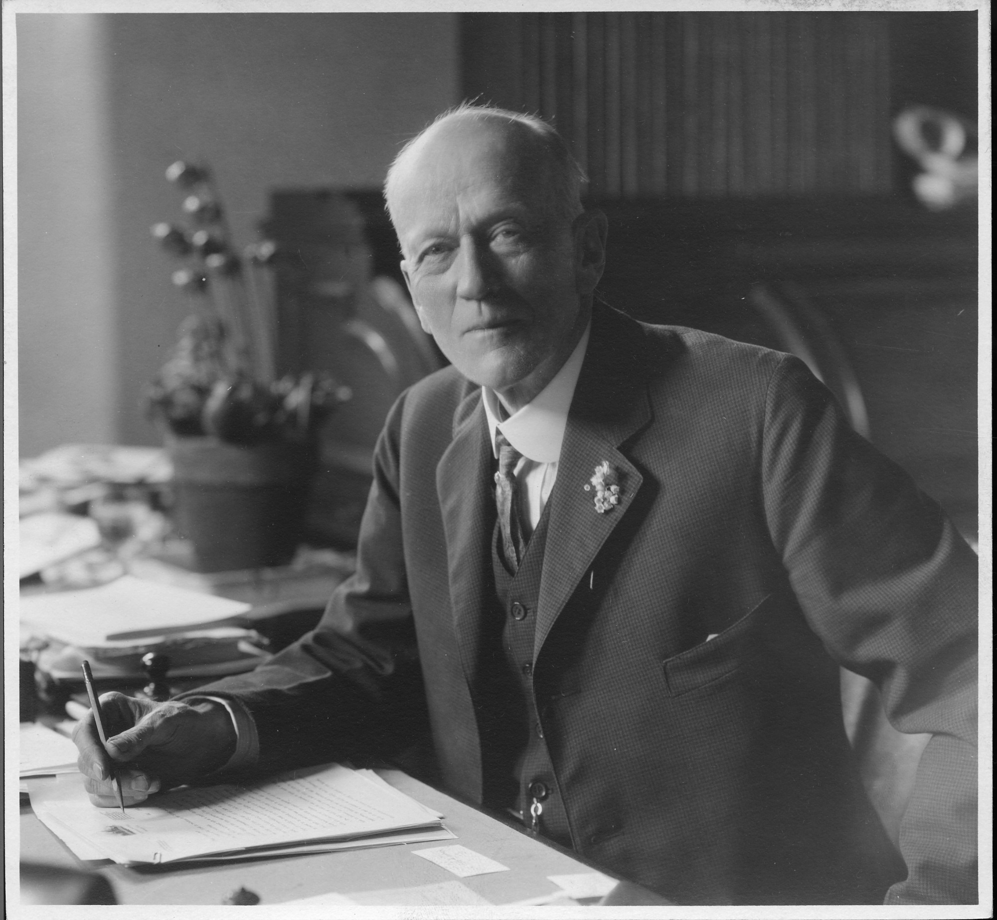 Charles Doolittle Walcott, by Unknown, 1922, Smithsonian Archives - History Div, 2002-10626.