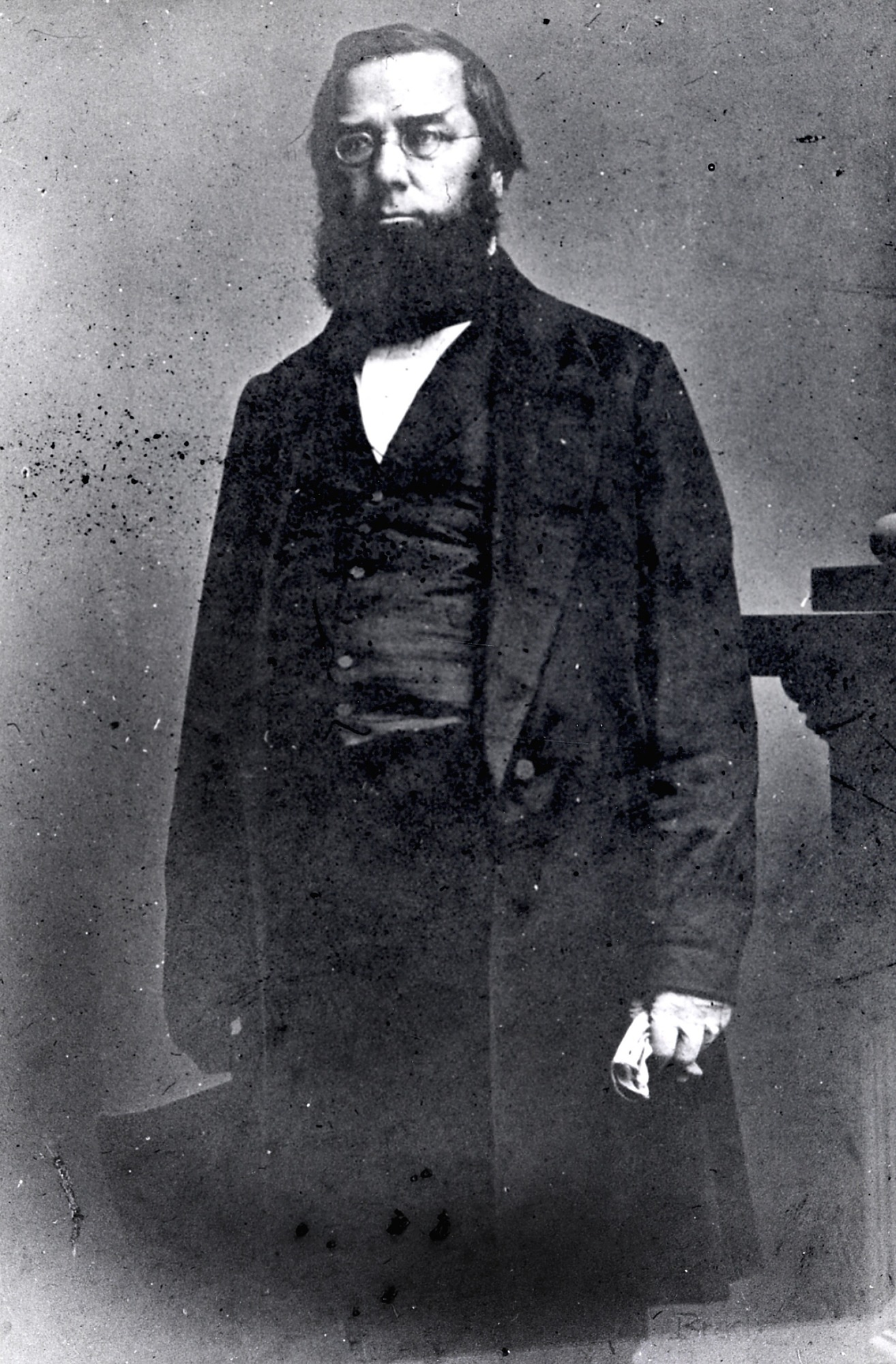 Portrait of Geoge Perkins Marsh, c. 1860. Smithsonian Institution Archives, negative number 2002-32243.