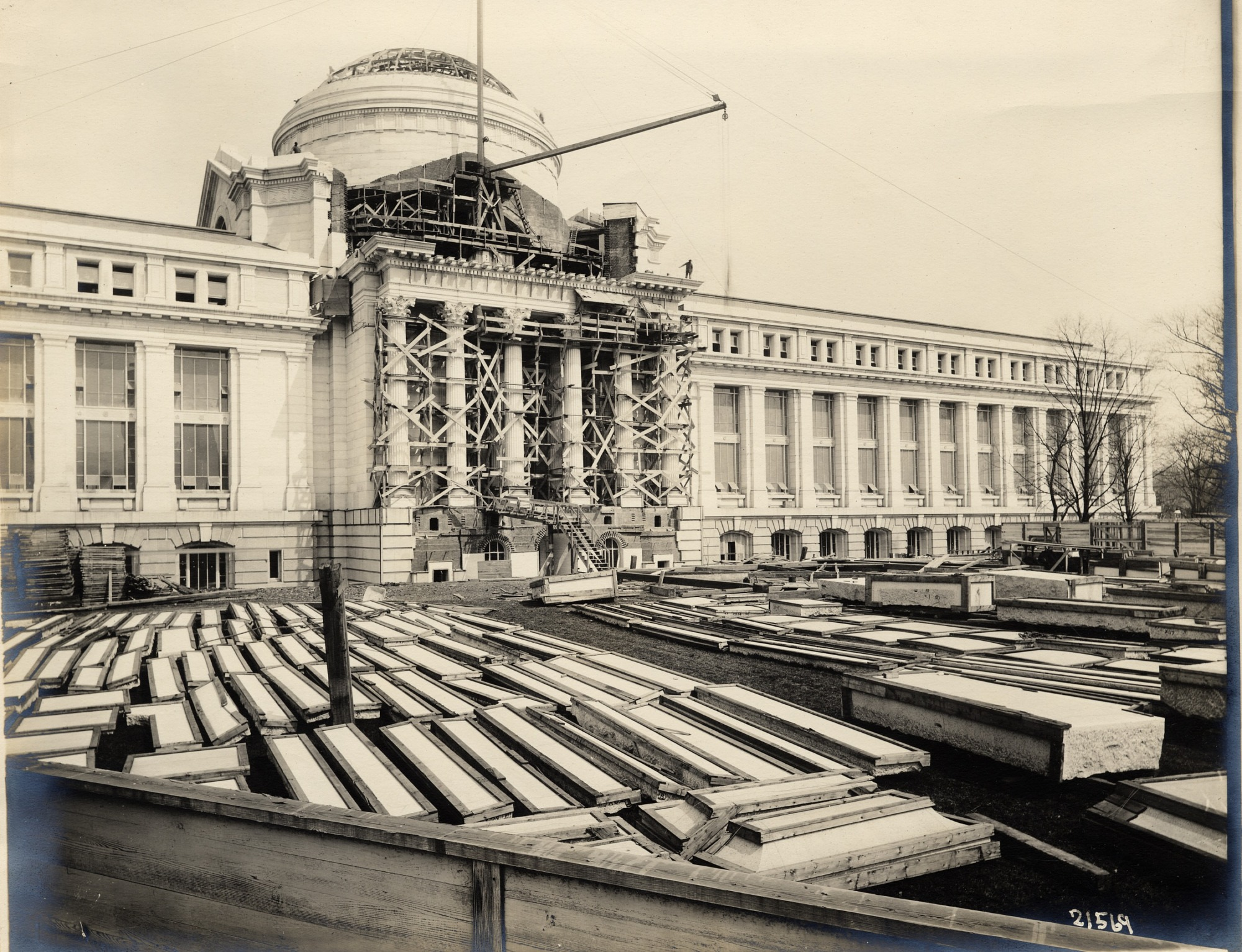 Construction on front of National Museum of Natural History, 1909